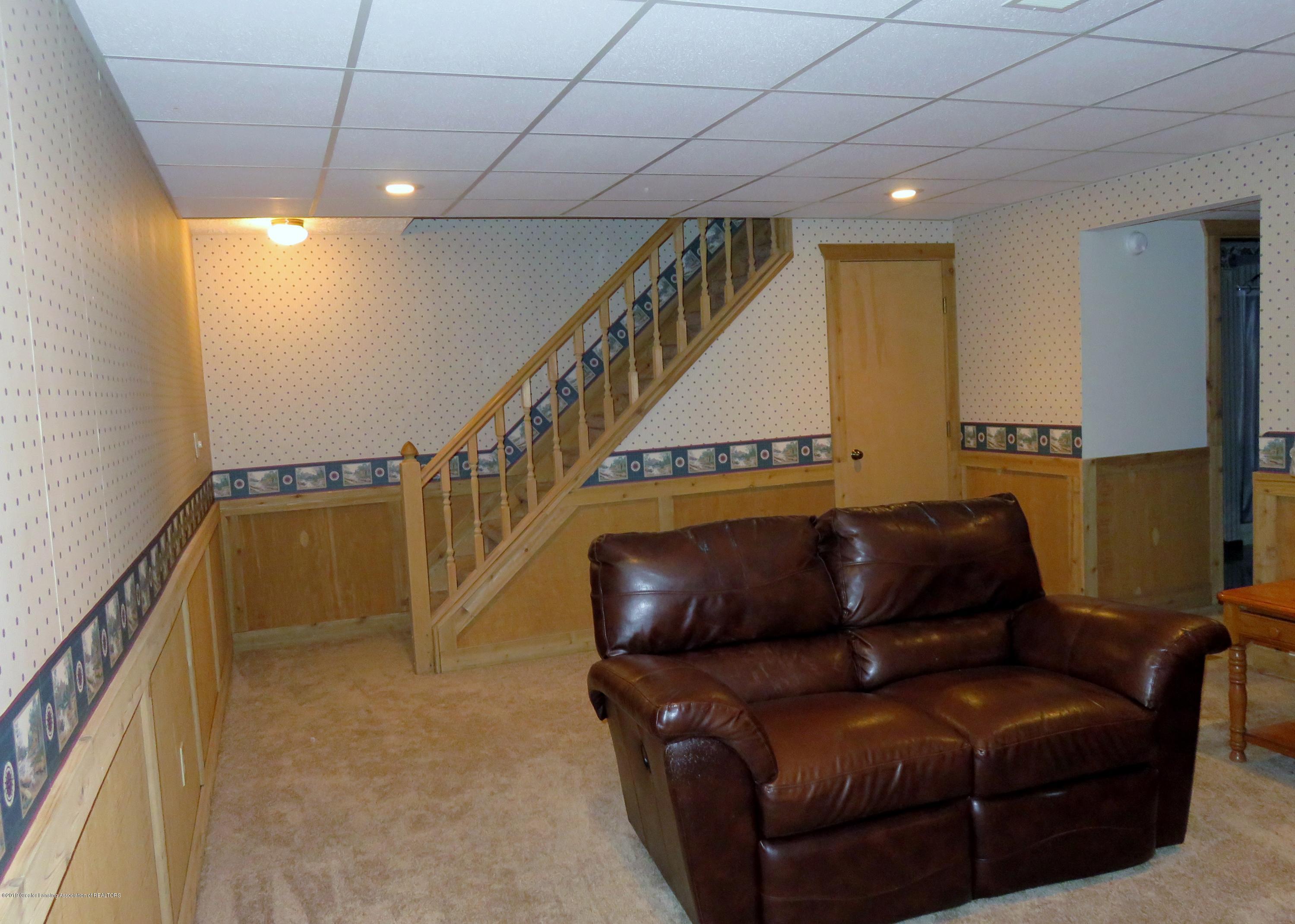 13240 Blackwood Dr - Family Room - 29