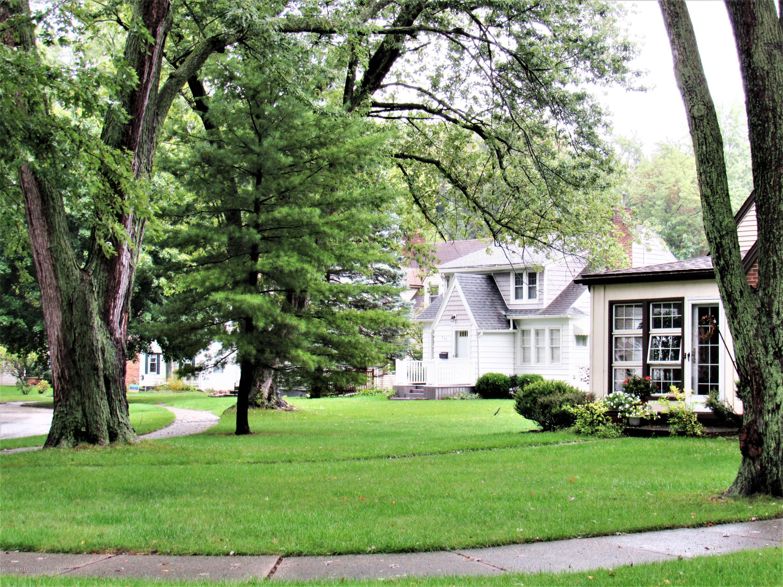 3216 Ellen Ave - Neighborhood - 29
