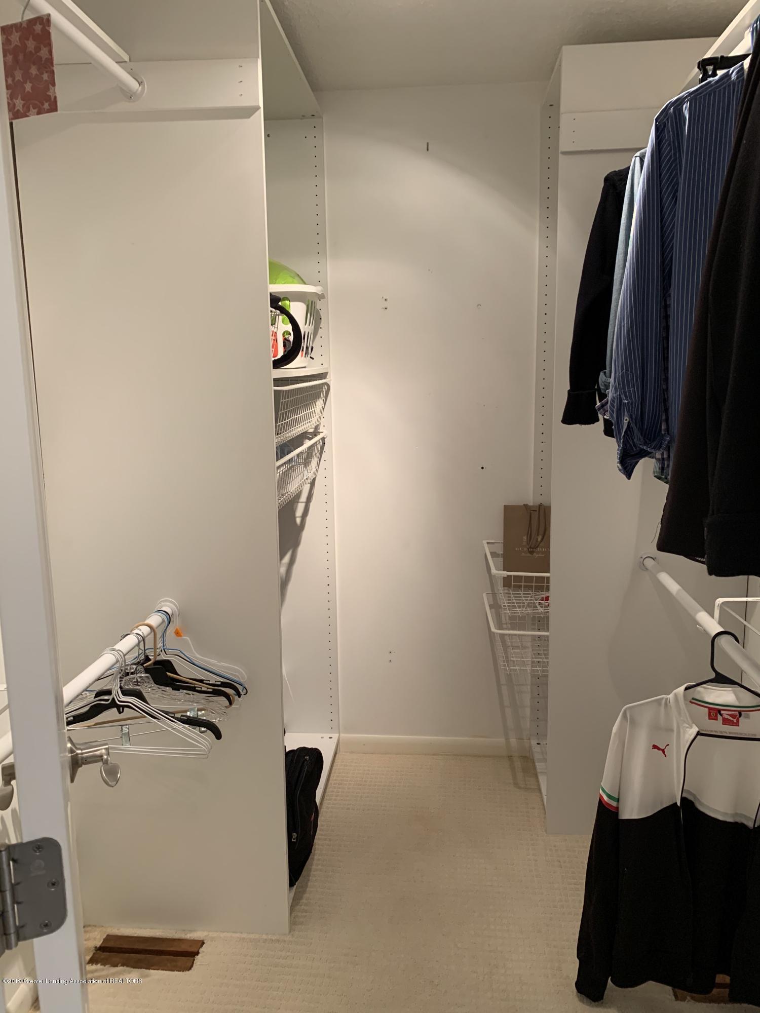 2435 Seville Dr - Master Bedroom - 13