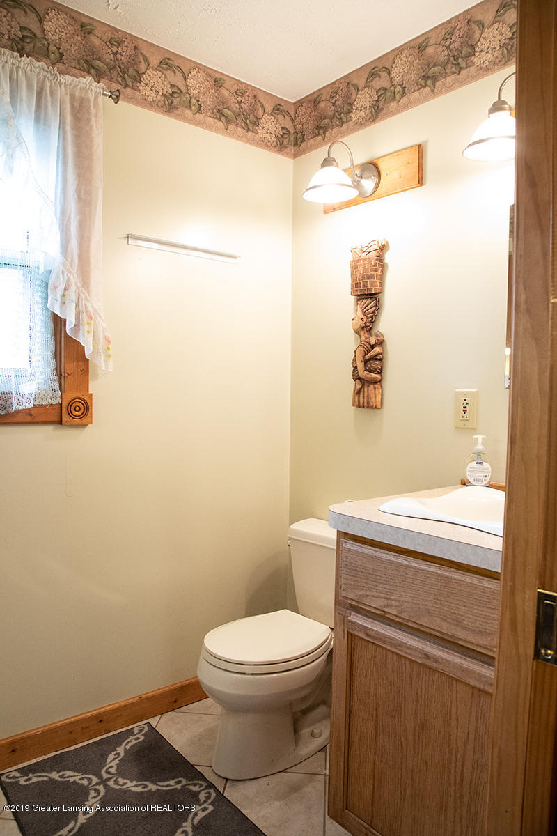 6375 W Lake Dr - Half Bath - 13