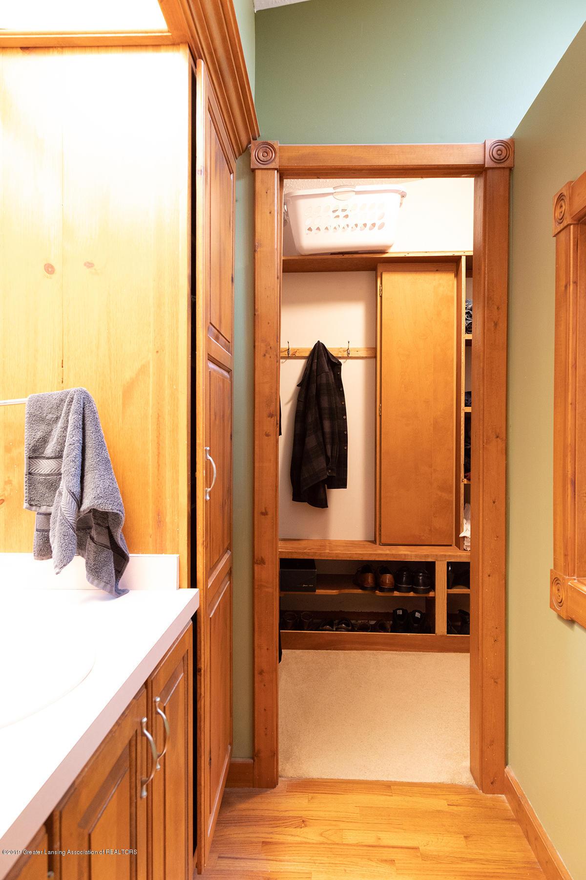 6375 W Lake Dr - Master bath & closet - 22