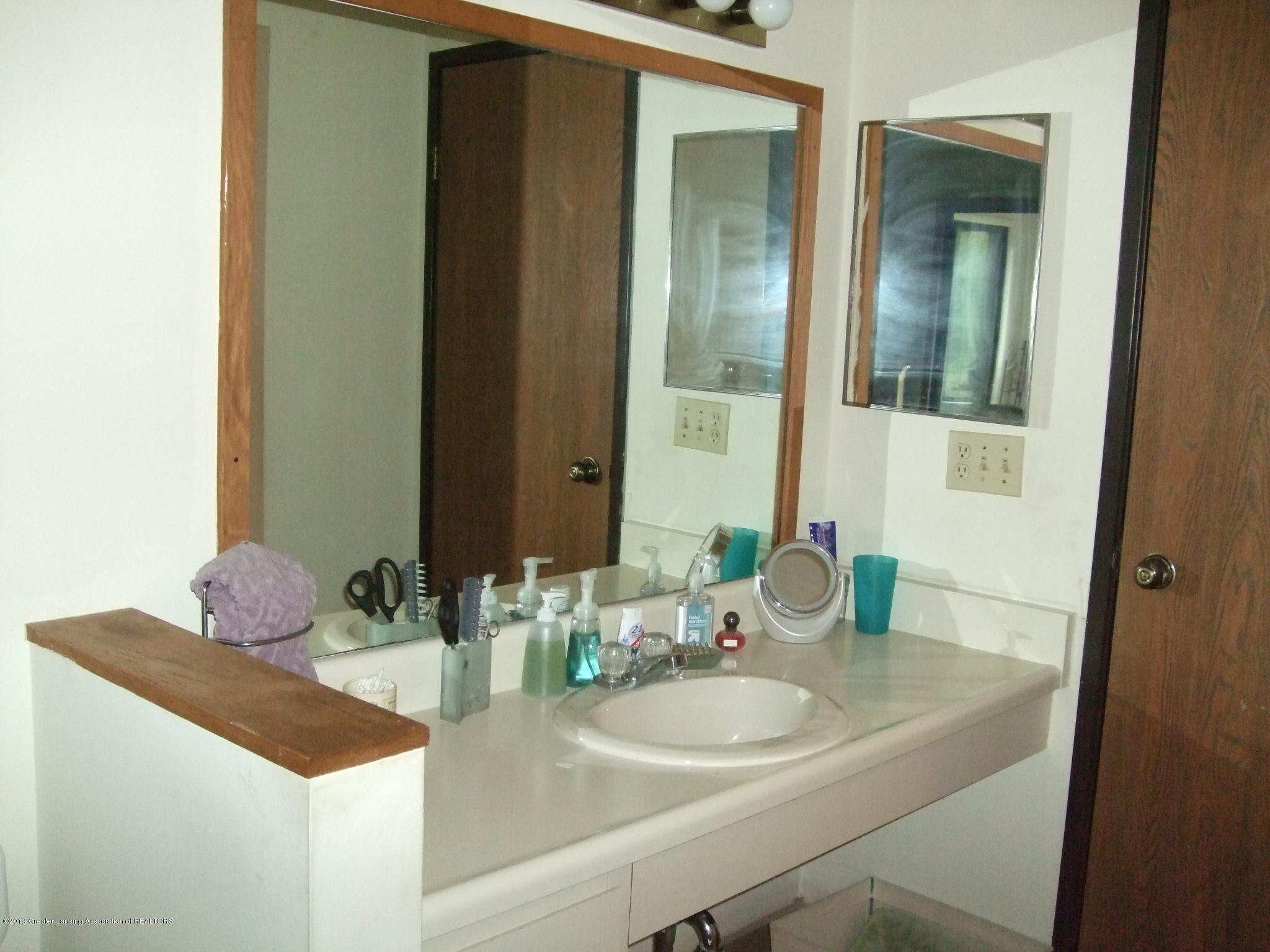 1555 W Pond Dr 21 - Bathroom - 15