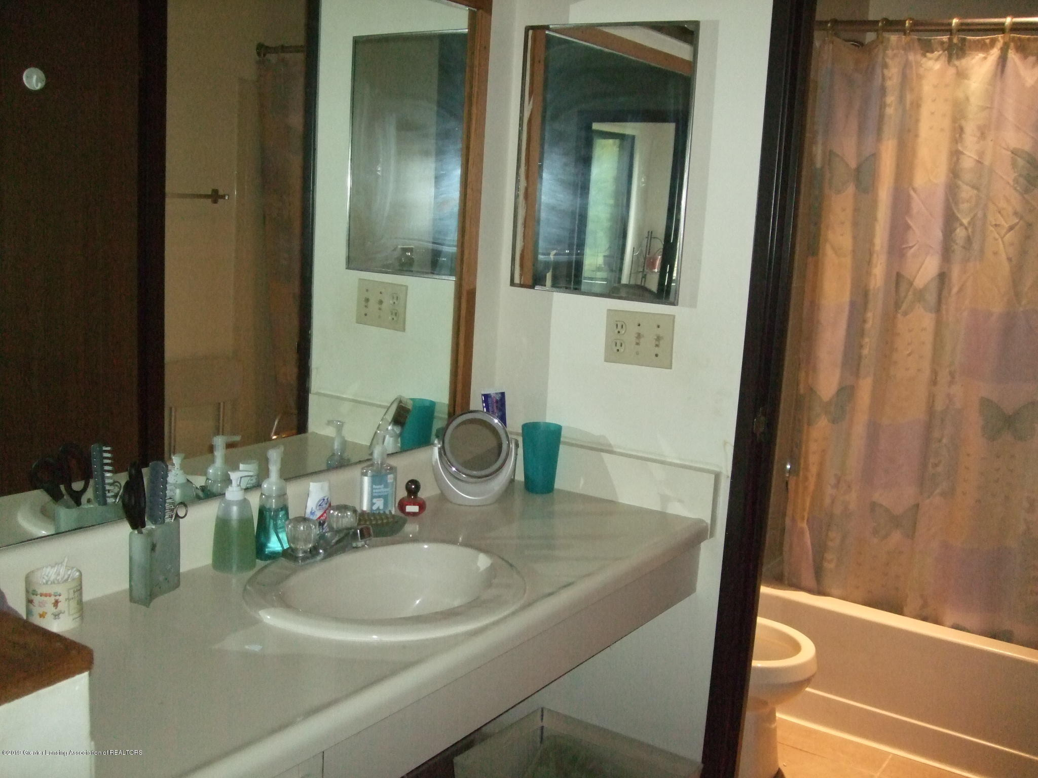 1555 W Pond Dr 21 - Bathroom - 16