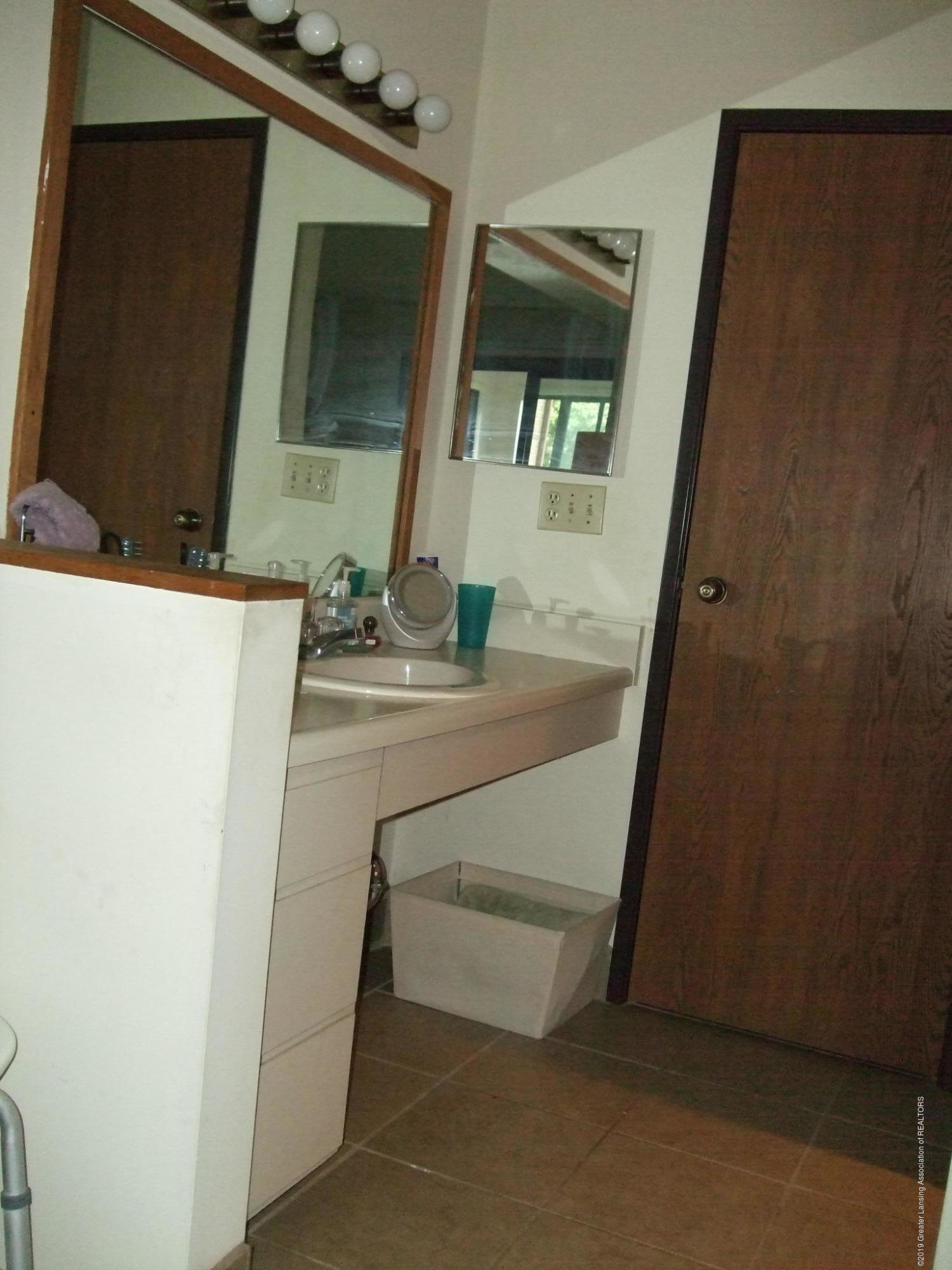 1555 W Pond Dr 21 - Bathroom - 14