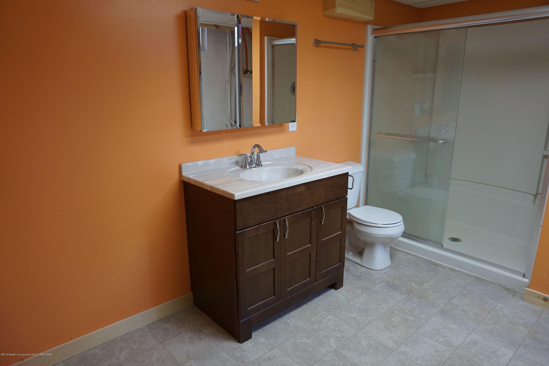 10130 Hollister Rd - Full Bath 2 - 33