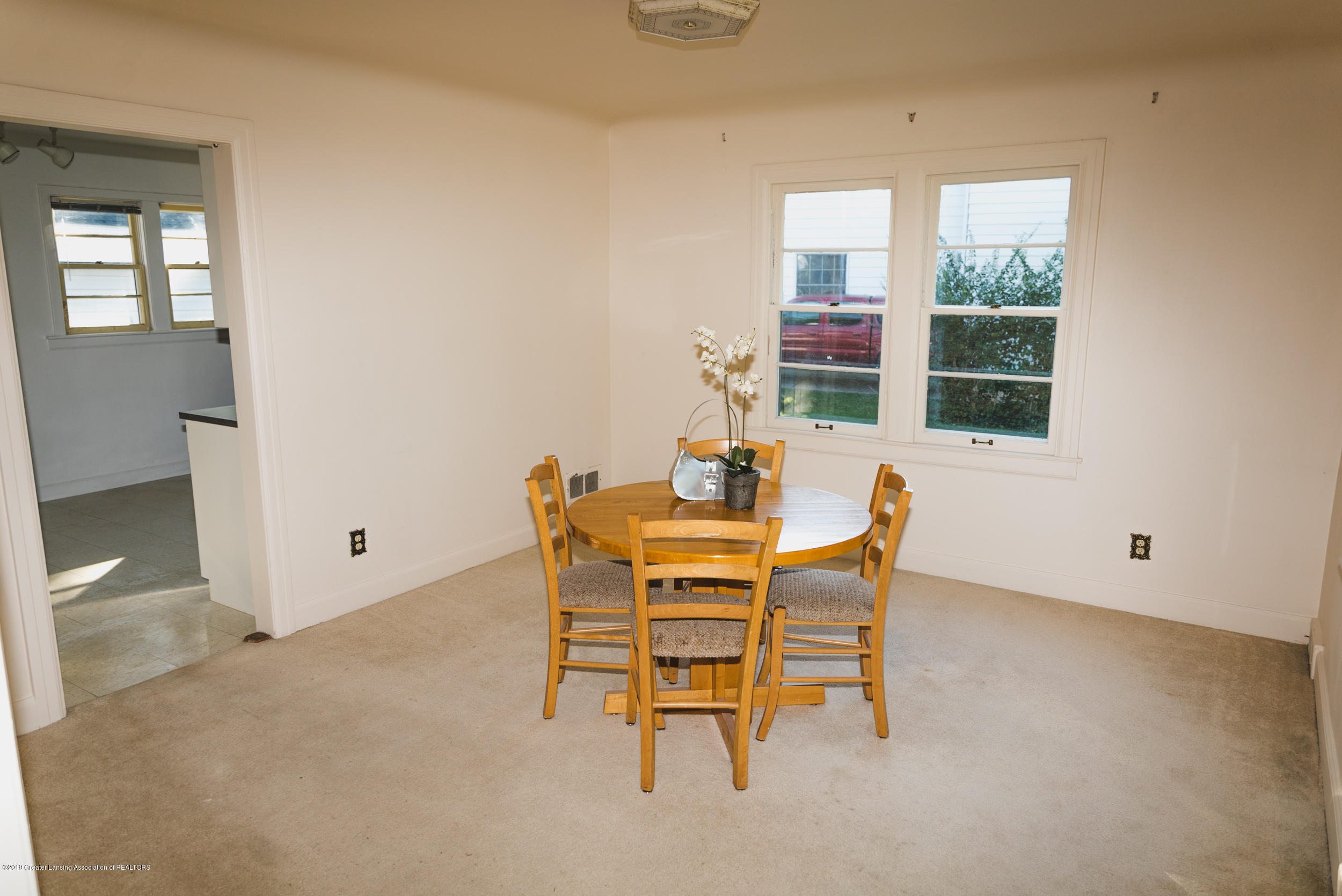 350 Chesterfield Pkwy - Dining Room - 8