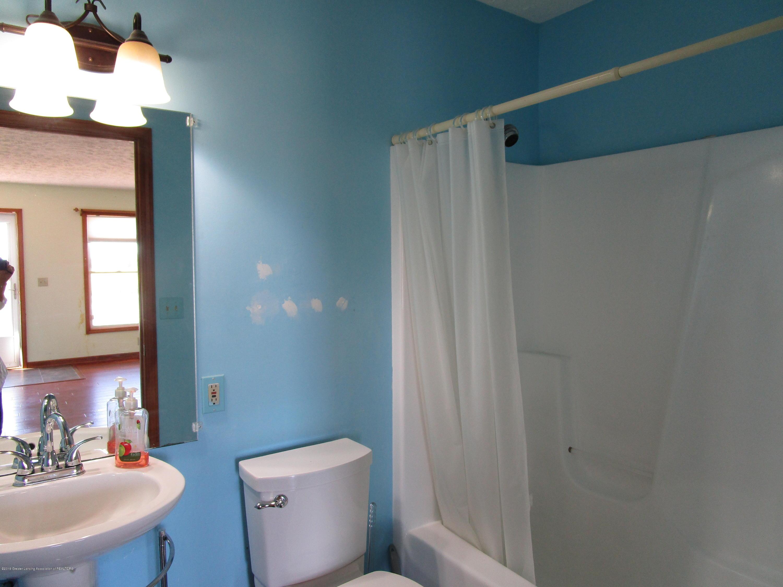 4703 Mulliken Rd - 21 Main Bath - 22