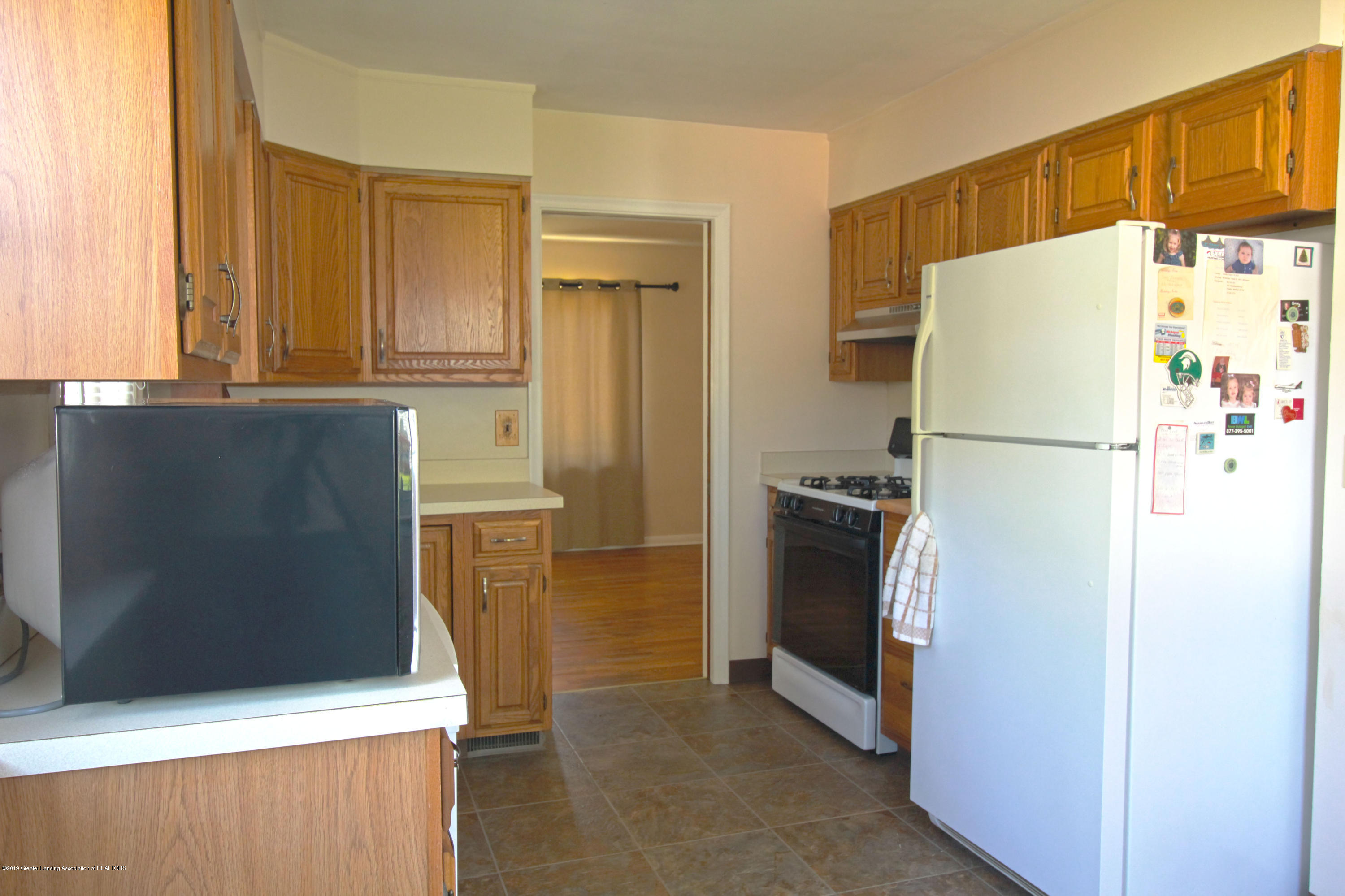 1113 N Foster Ave - kitchen 1 - 6