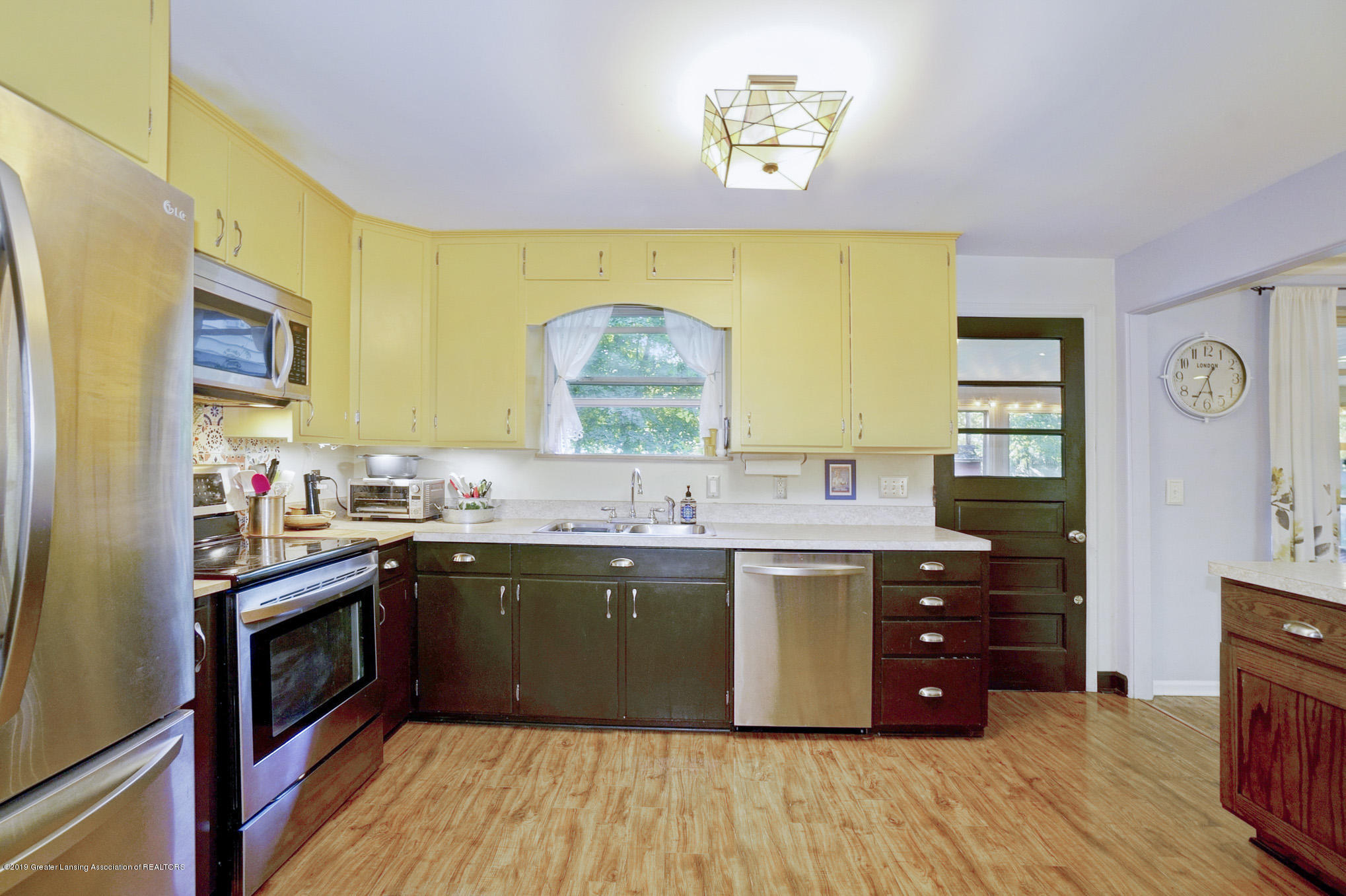 4591 Nakoma Dr - Kitchen - 17