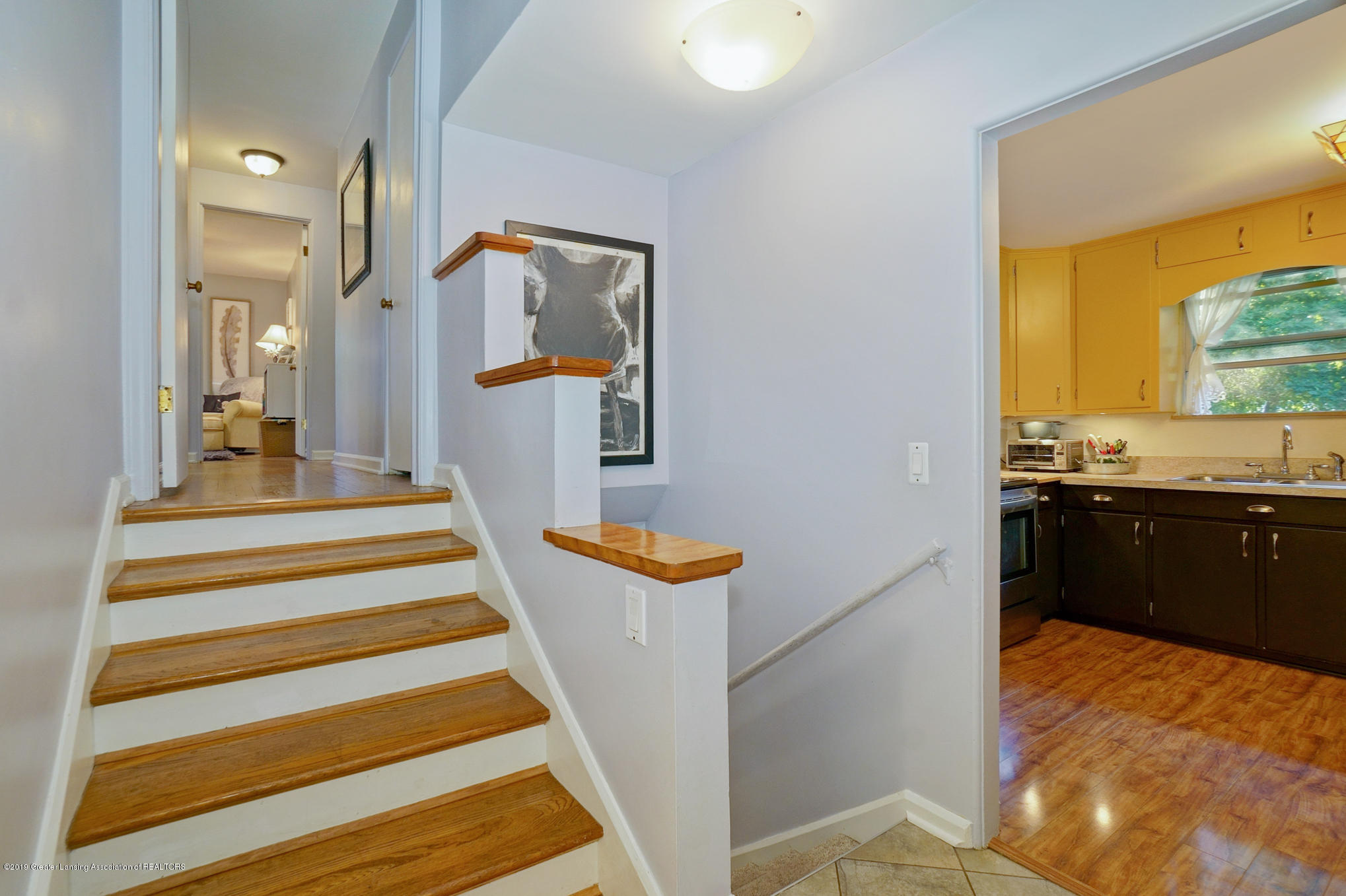 4591 Nakoma Dr - Stairs to upper and lower levels - 32