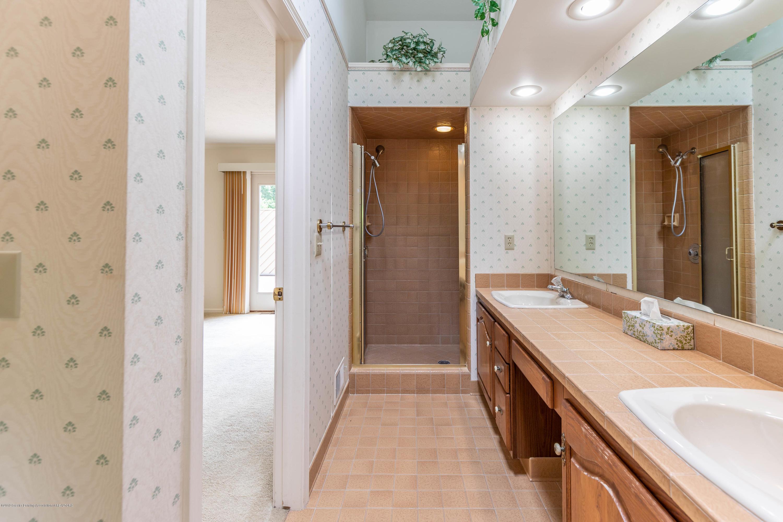 1911 Danbury E - Master Bathroom - 19
