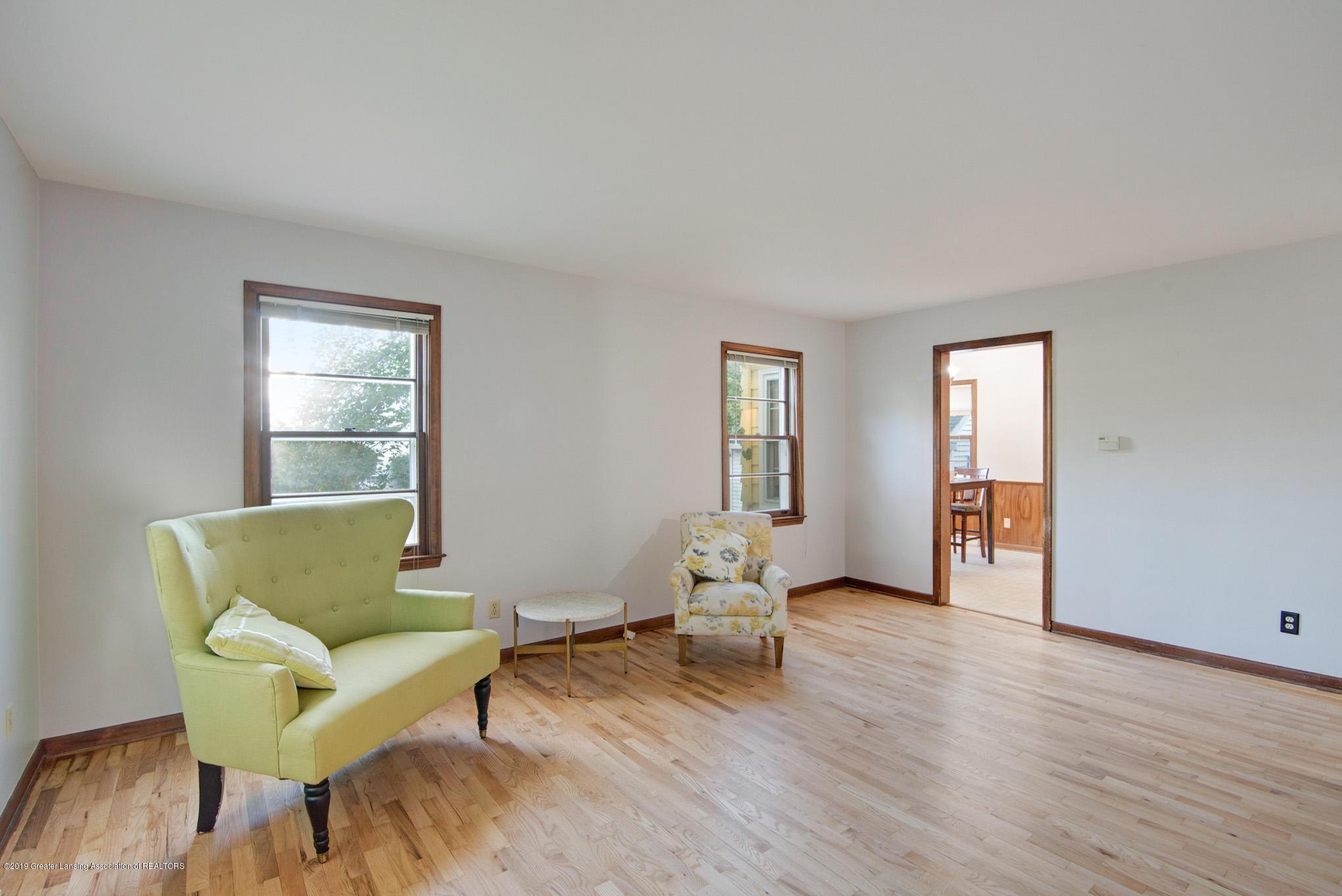 1237 Daisy Ln - Living Room - 5