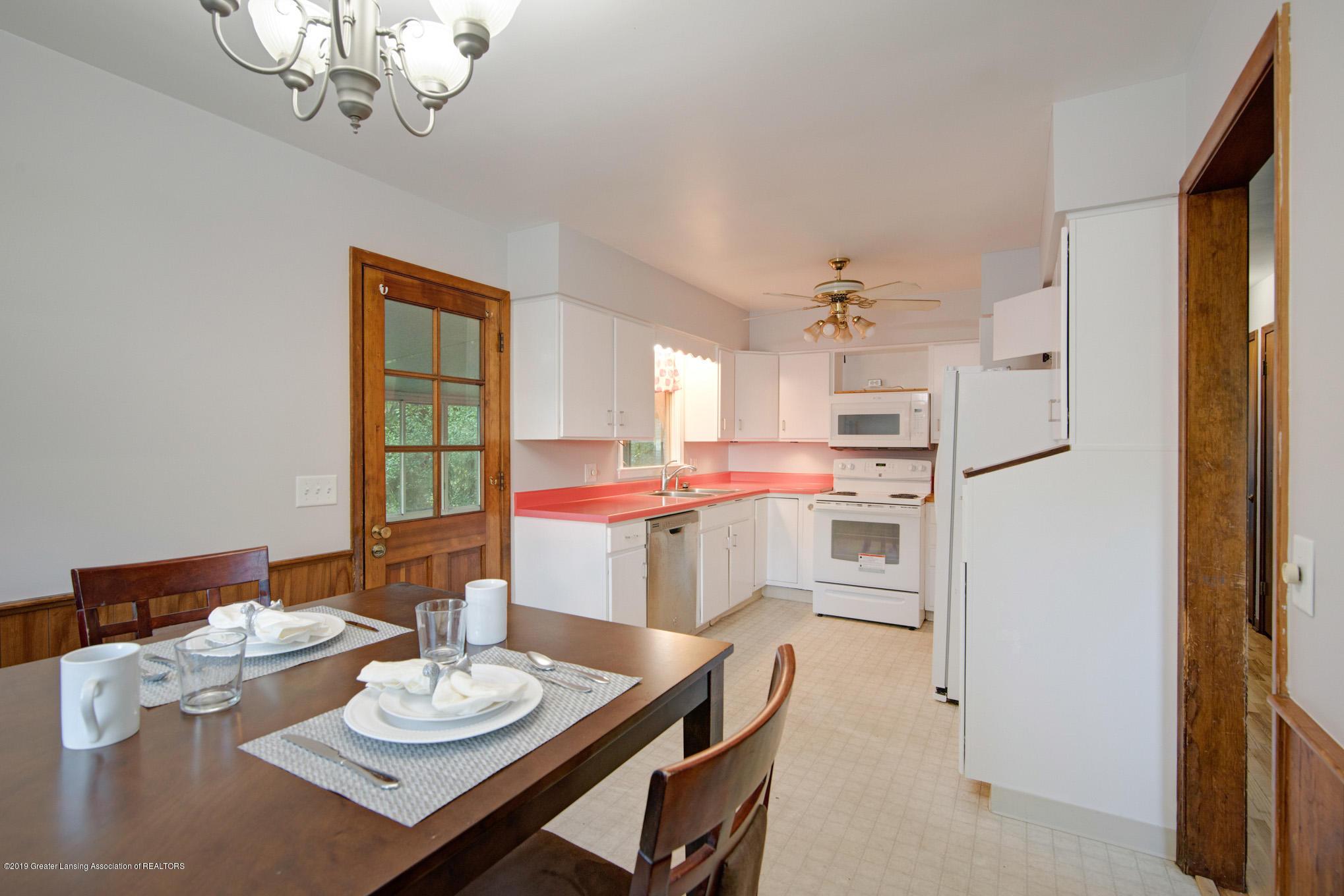 1237 Daisy Ln - Dining/Kitchen - 8