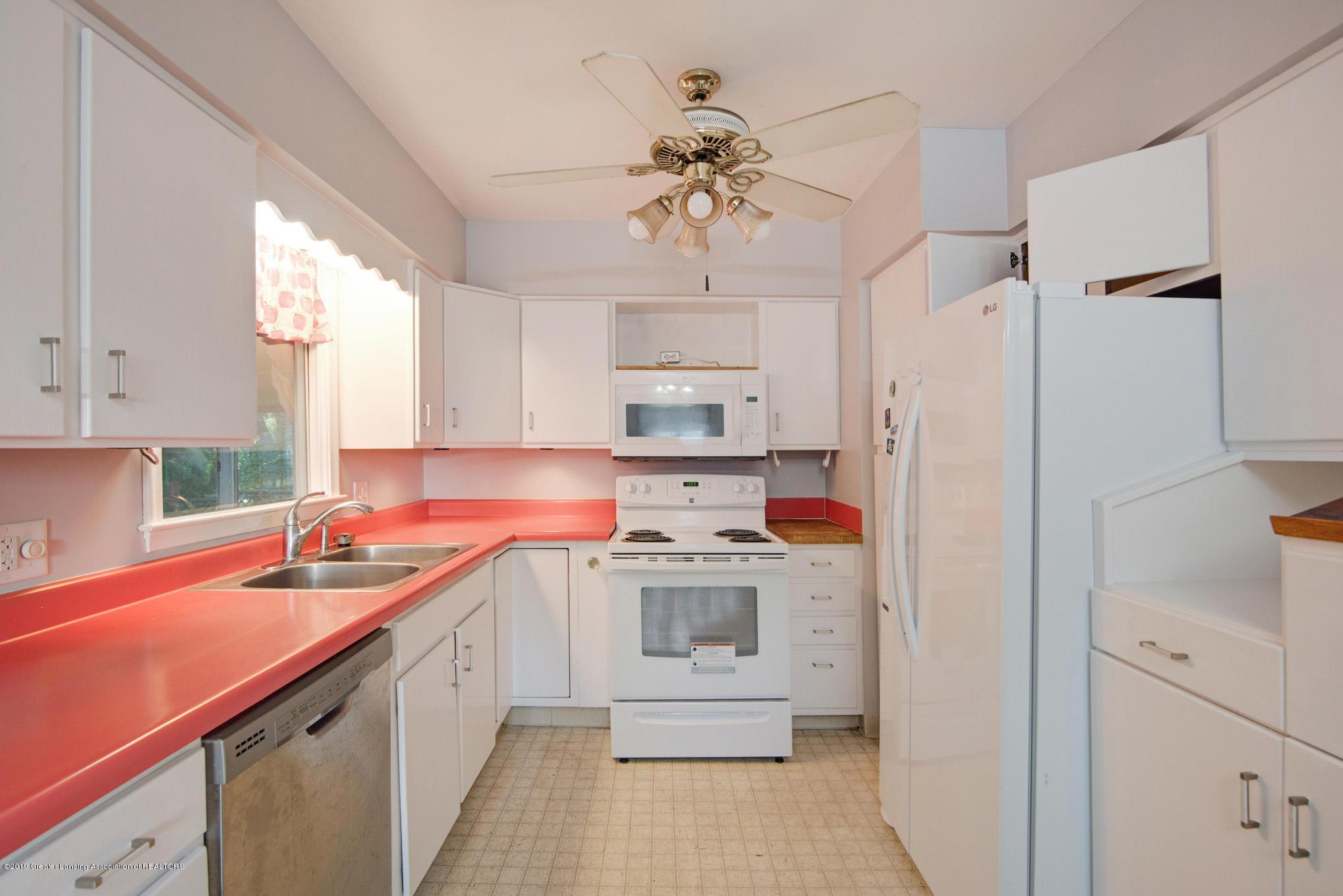 1237 Daisy Ln - Kitchen - 9