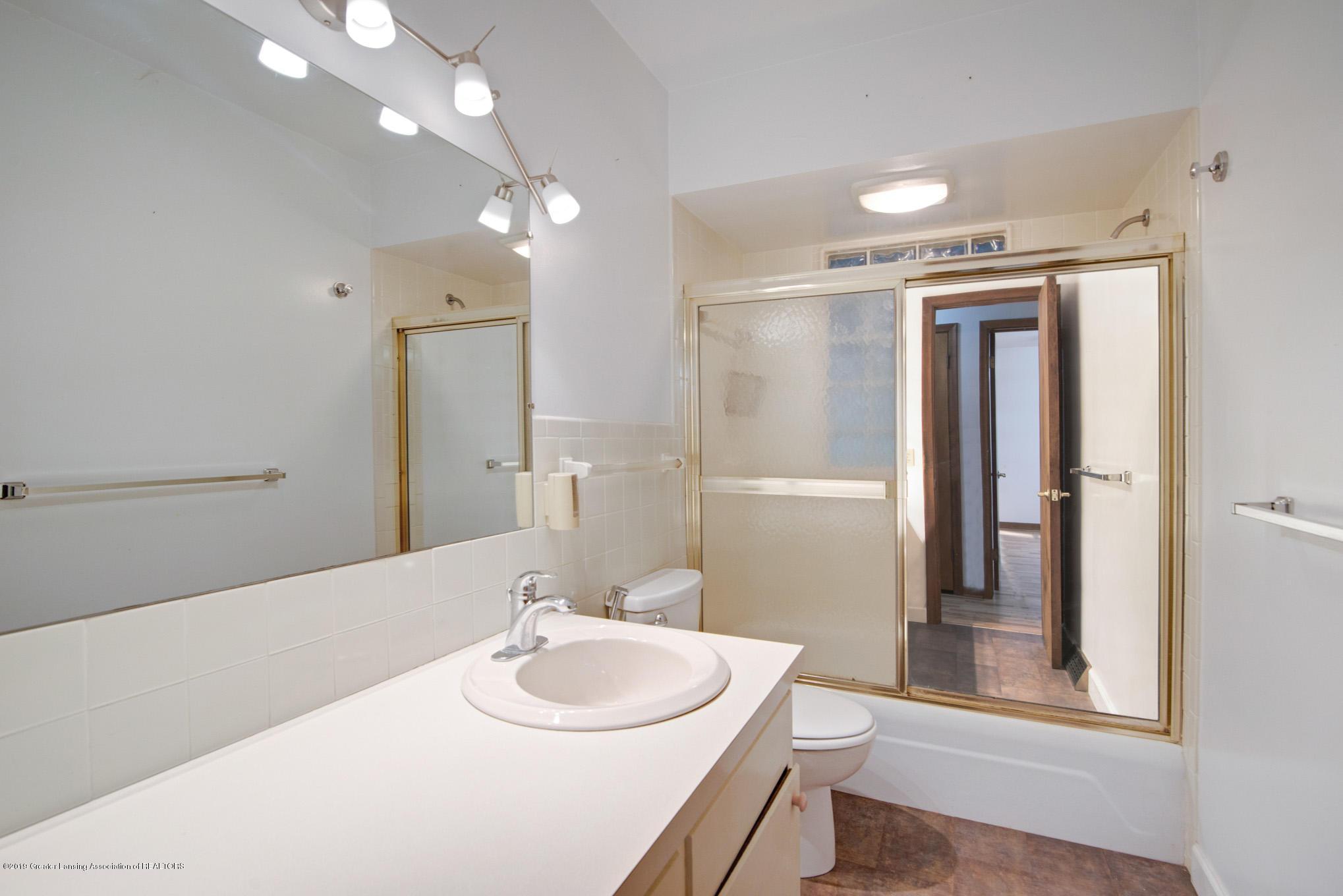 1237 Daisy Ln - Bathroom - 10