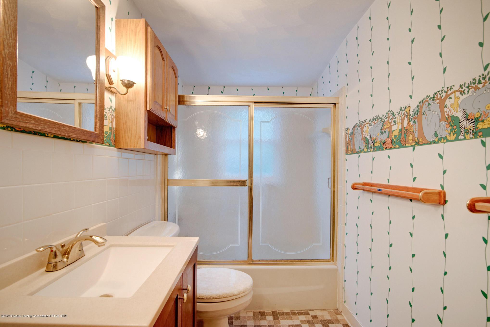 1237 Daisy Ln - Bathroom - 17