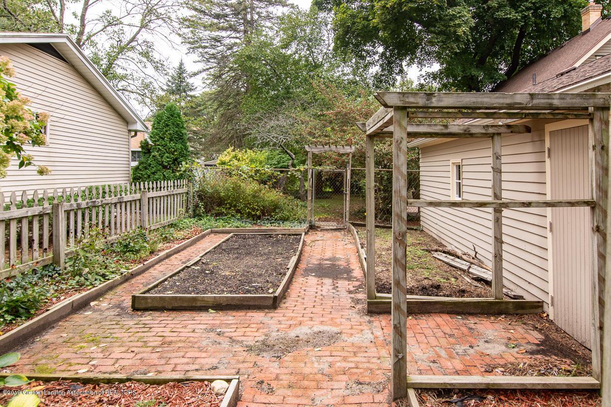 3401 Delta River Dr - Gardens - 20