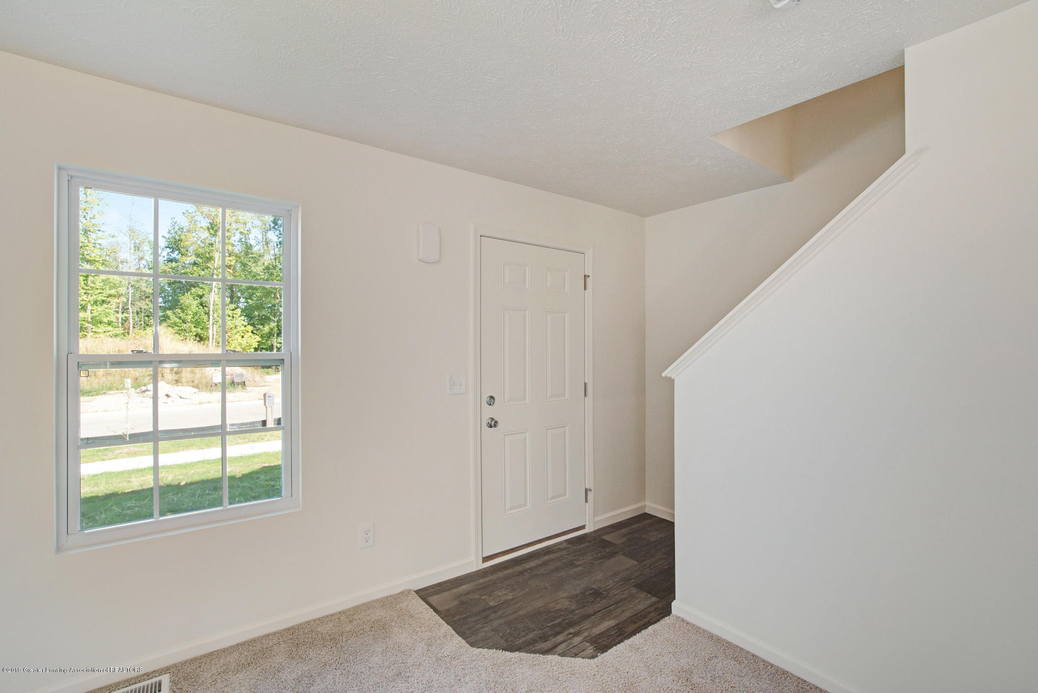 236 Noleigh - OAK079-i1810-Foyer - 2