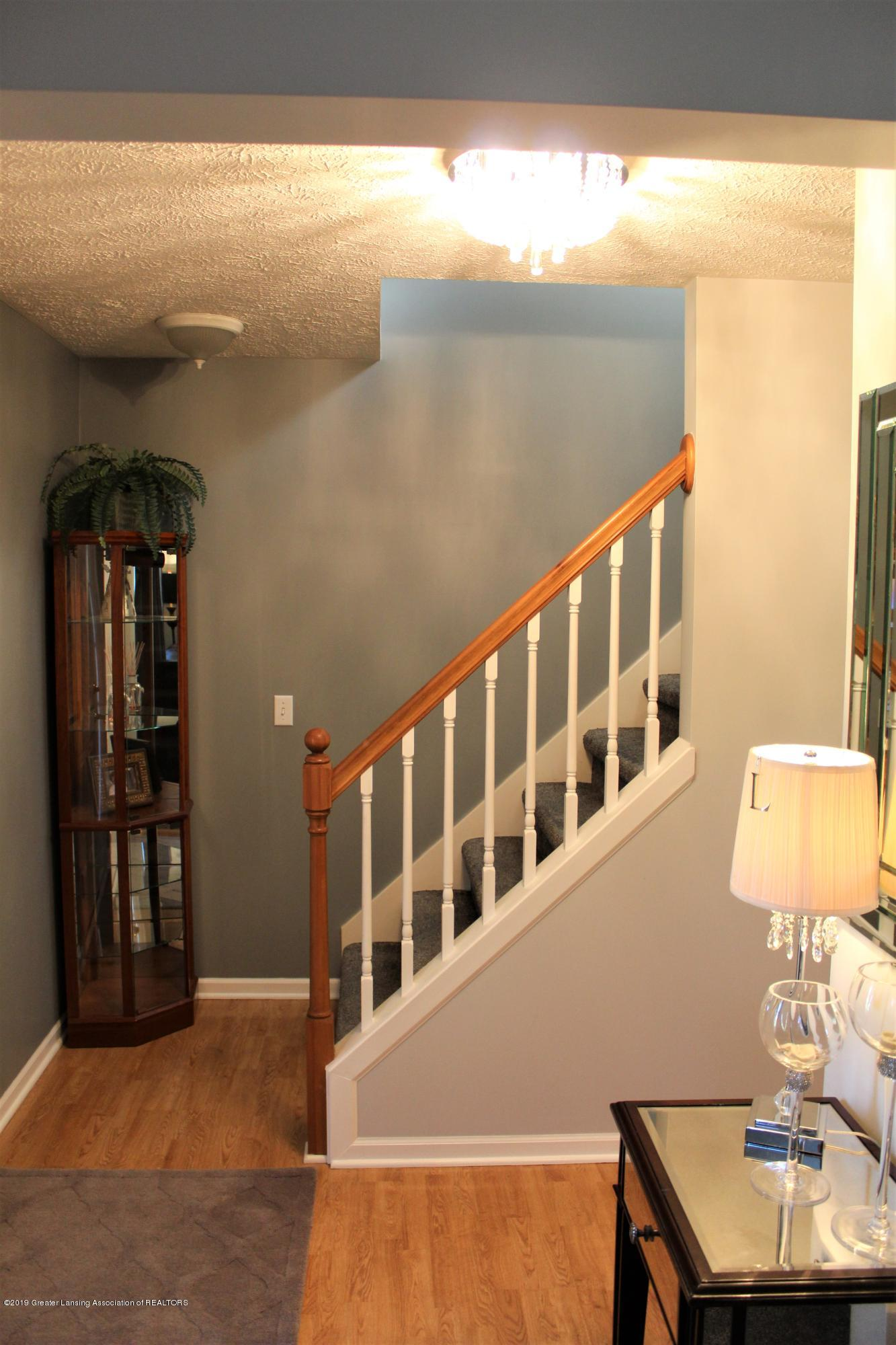 11821 Jerryson Dr - foyer/staircase - 11