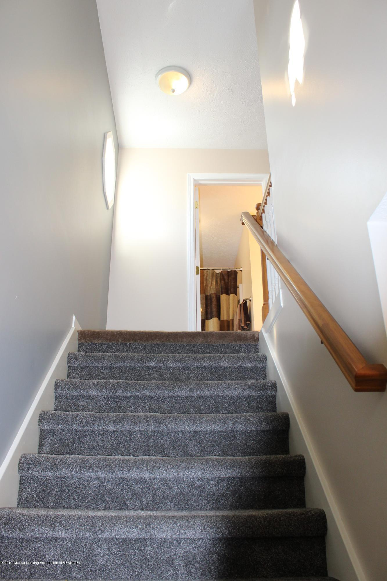 11821 Jerryson Dr - wide stairs - 29