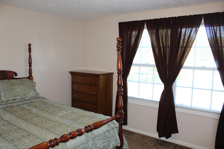11821 Jerryson Dr - bedroom 2 - 35