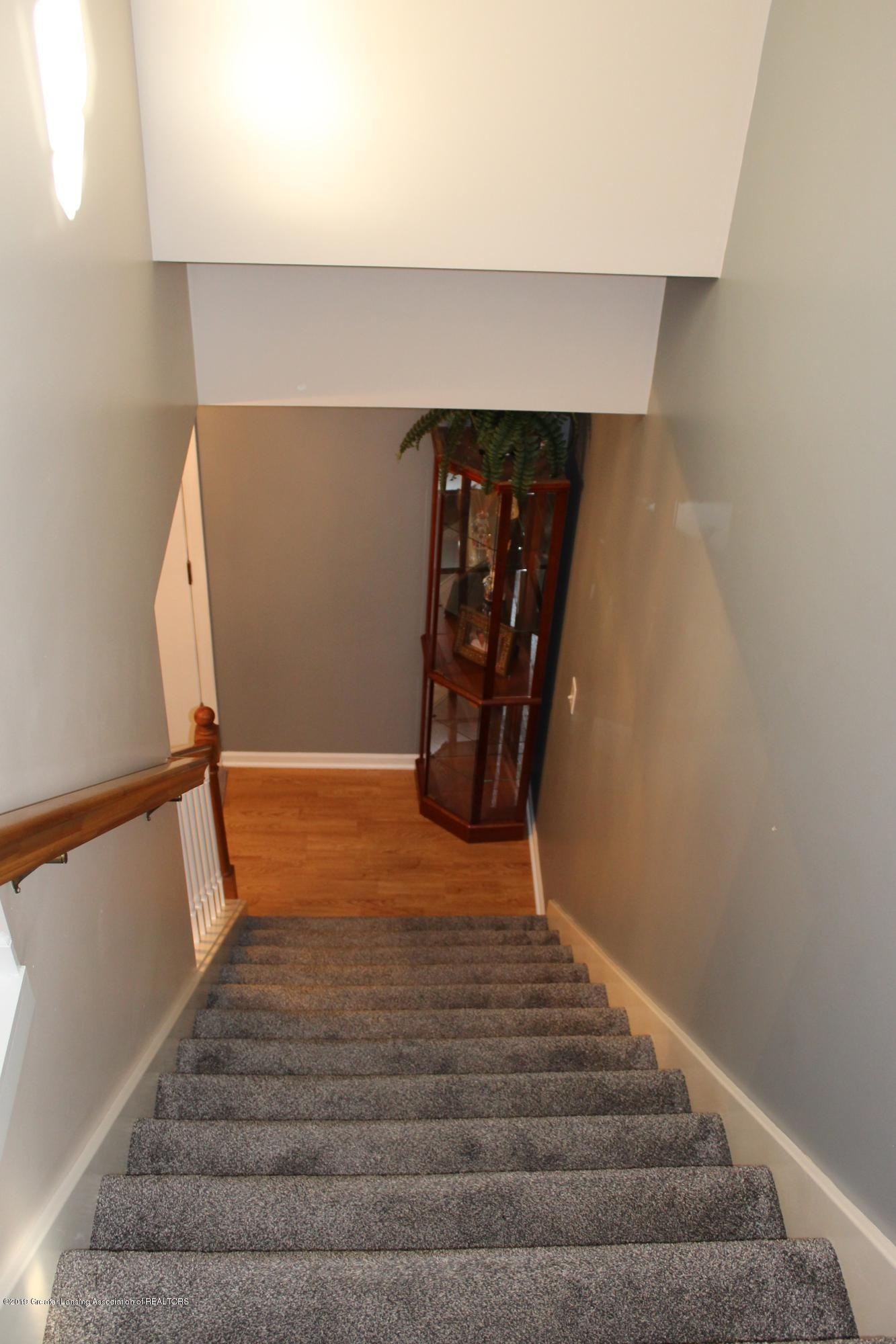 11821 Jerryson Dr - stairs - 40