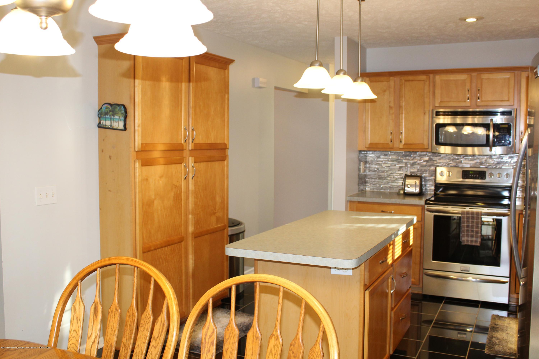 11821 Jerryson Dr - kitchen - 19