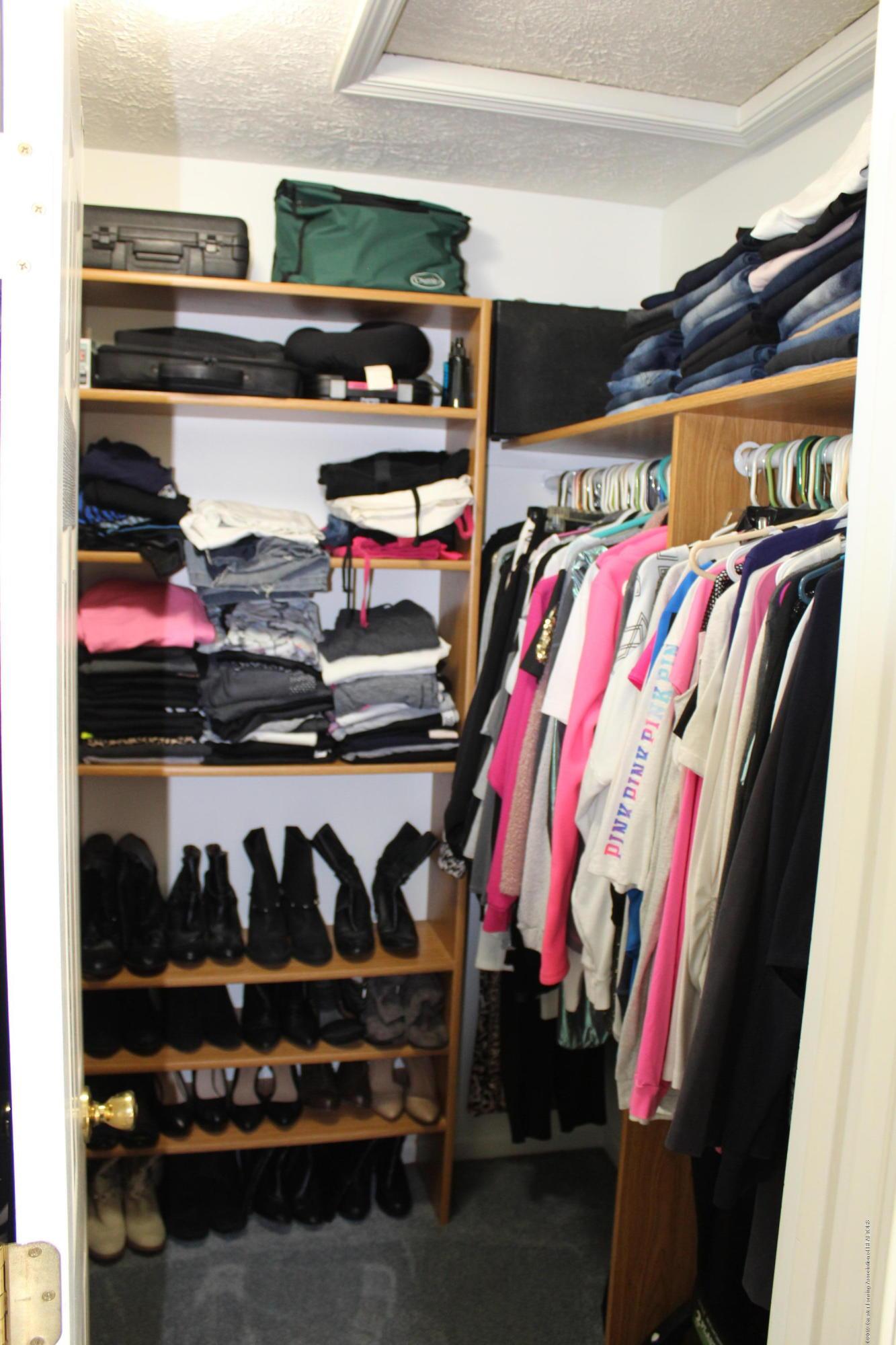11821 Jerryson Dr - master closet - 32