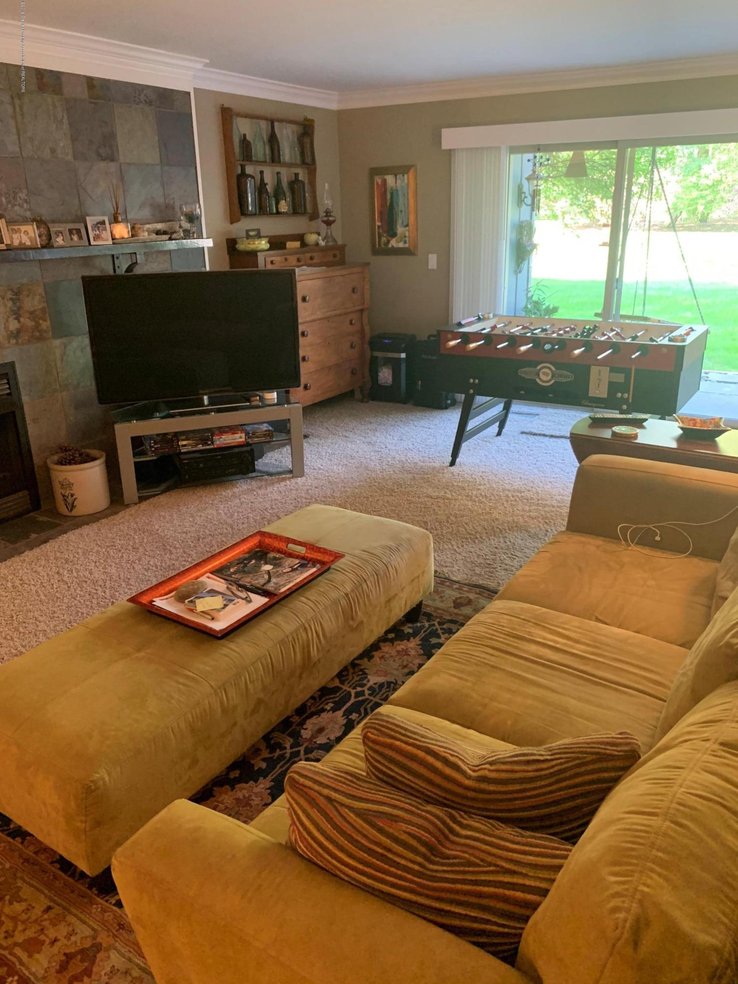 2926 Mt Hope Rd 7 - living room - 11