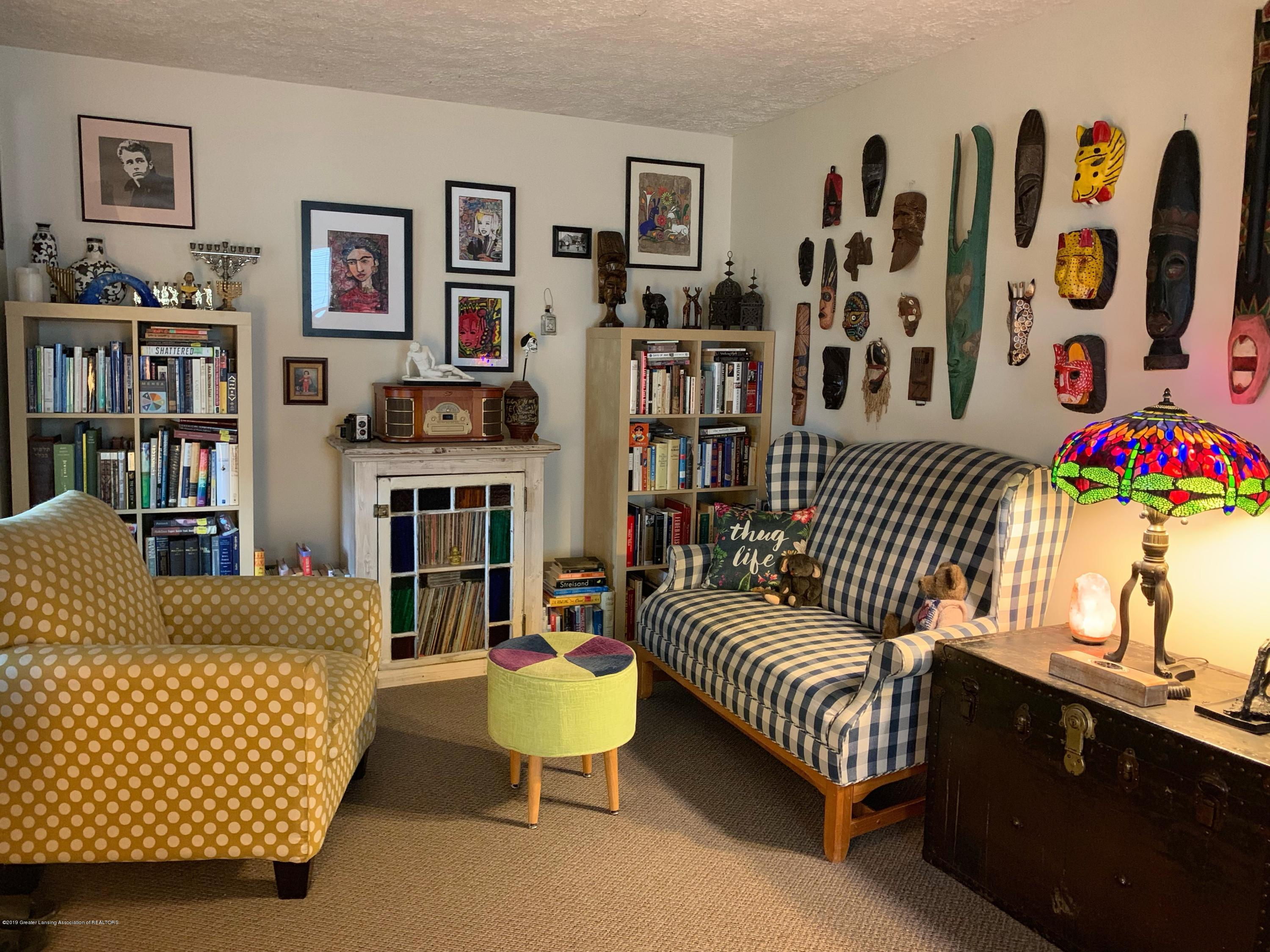 2014 Beal Ave - Living Room - 7