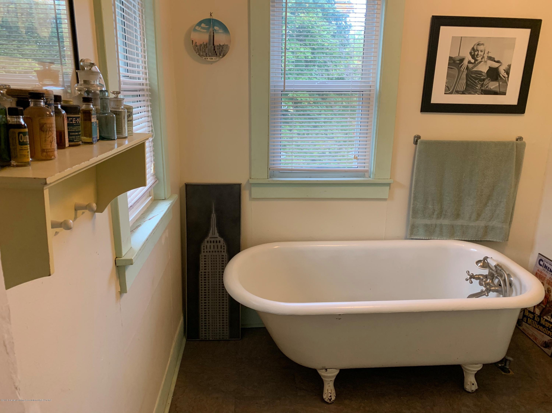 2014 Beal Ave - Bathroom 2nd Floor - 22