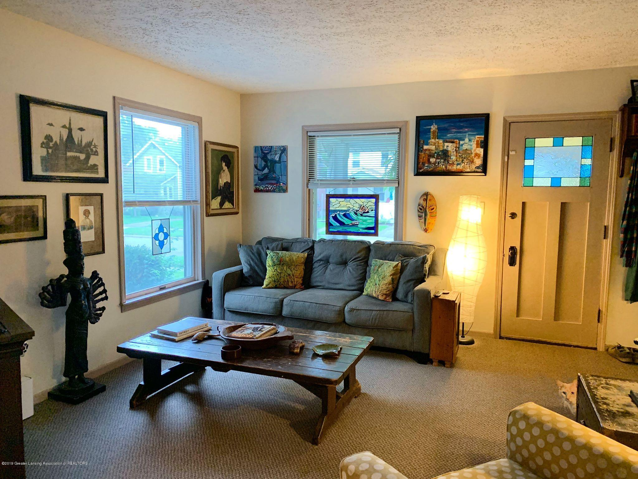 2014 Beal Ave - Living Room - 6