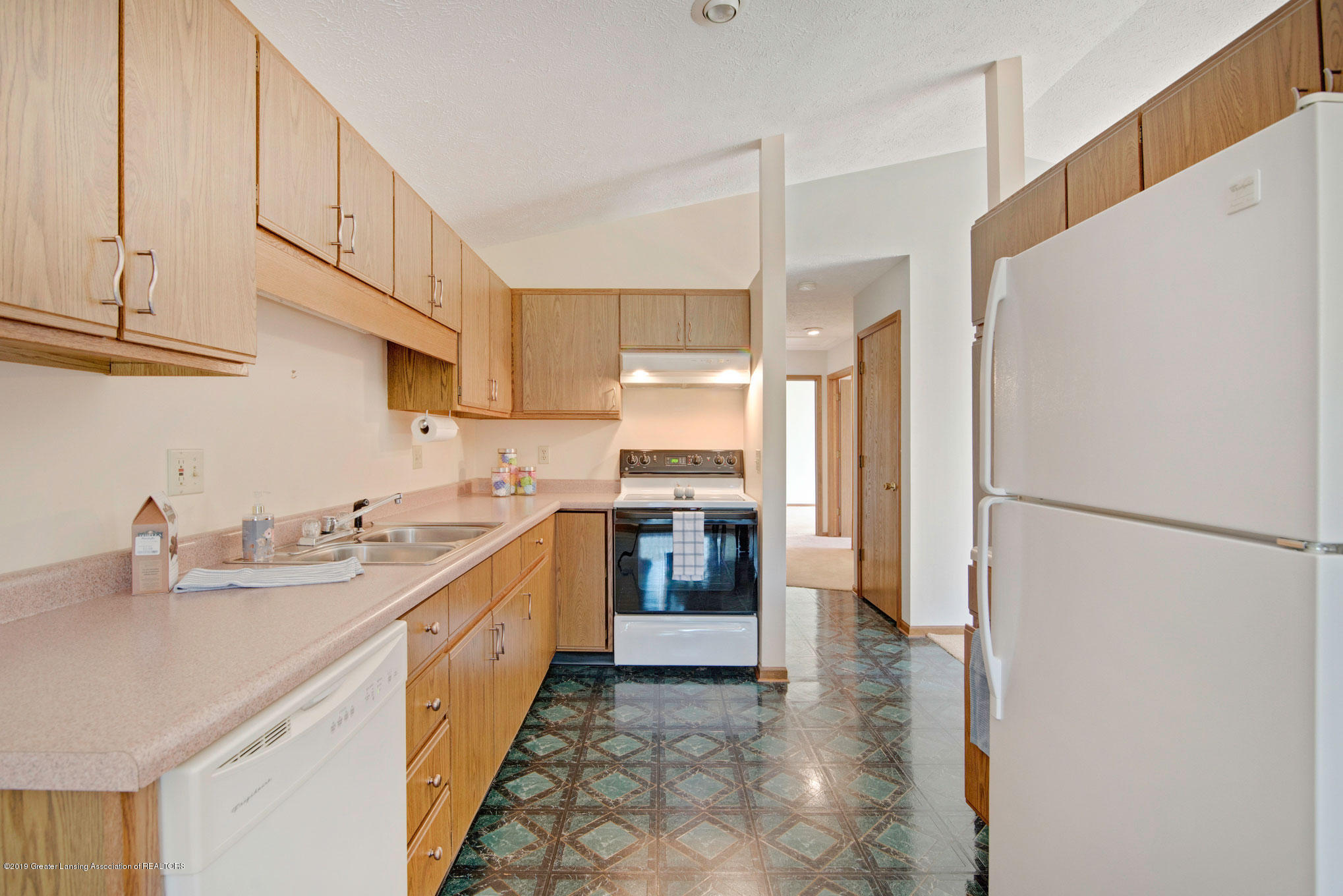 2800 Trudy Ln Unit 21 - Kitchen - 4