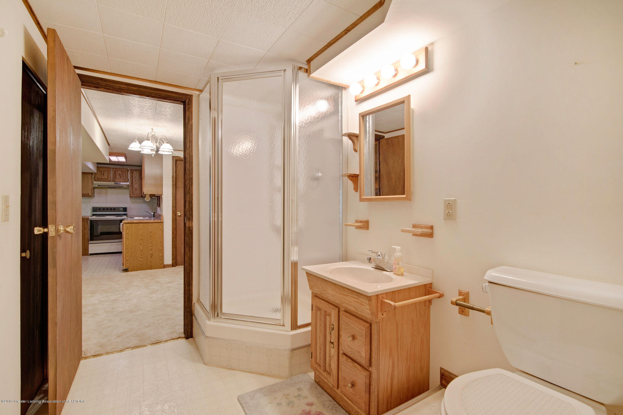 2800 Trudy Ln Unit 21 - Lower Level Bathroom - 18