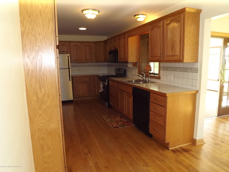 689 N Clinton Trail - 4 Kitchen - 5