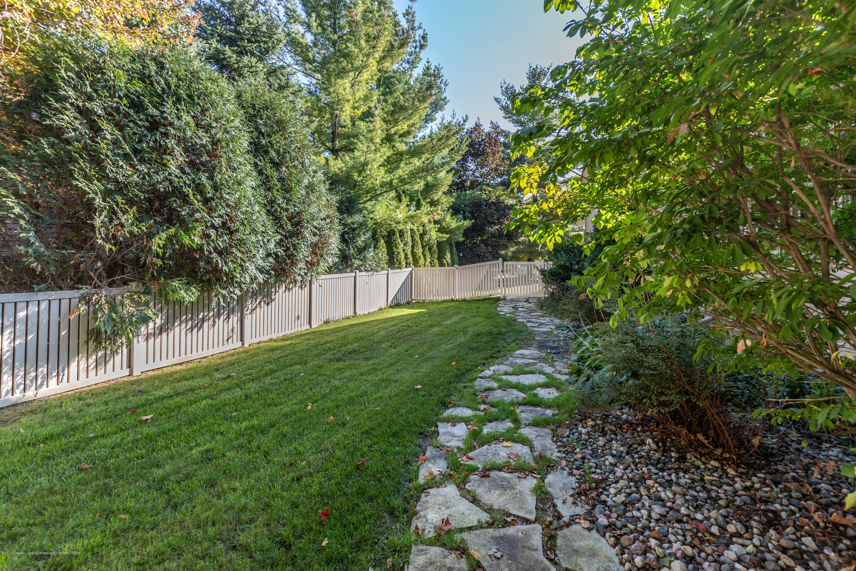 2825 River Pointe Dr - Yard - 43