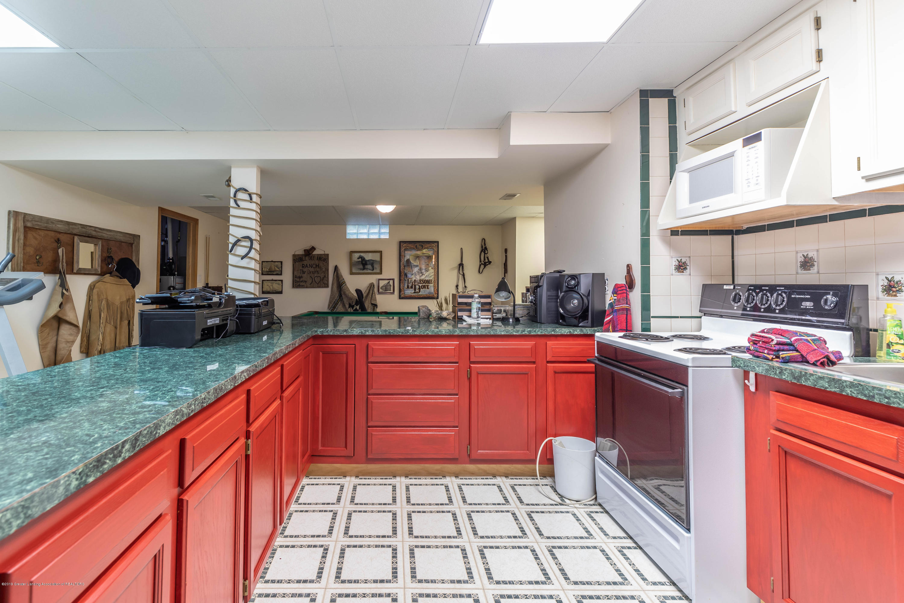 2825 River Pointe Dr - Lower Level Kitchen - 33