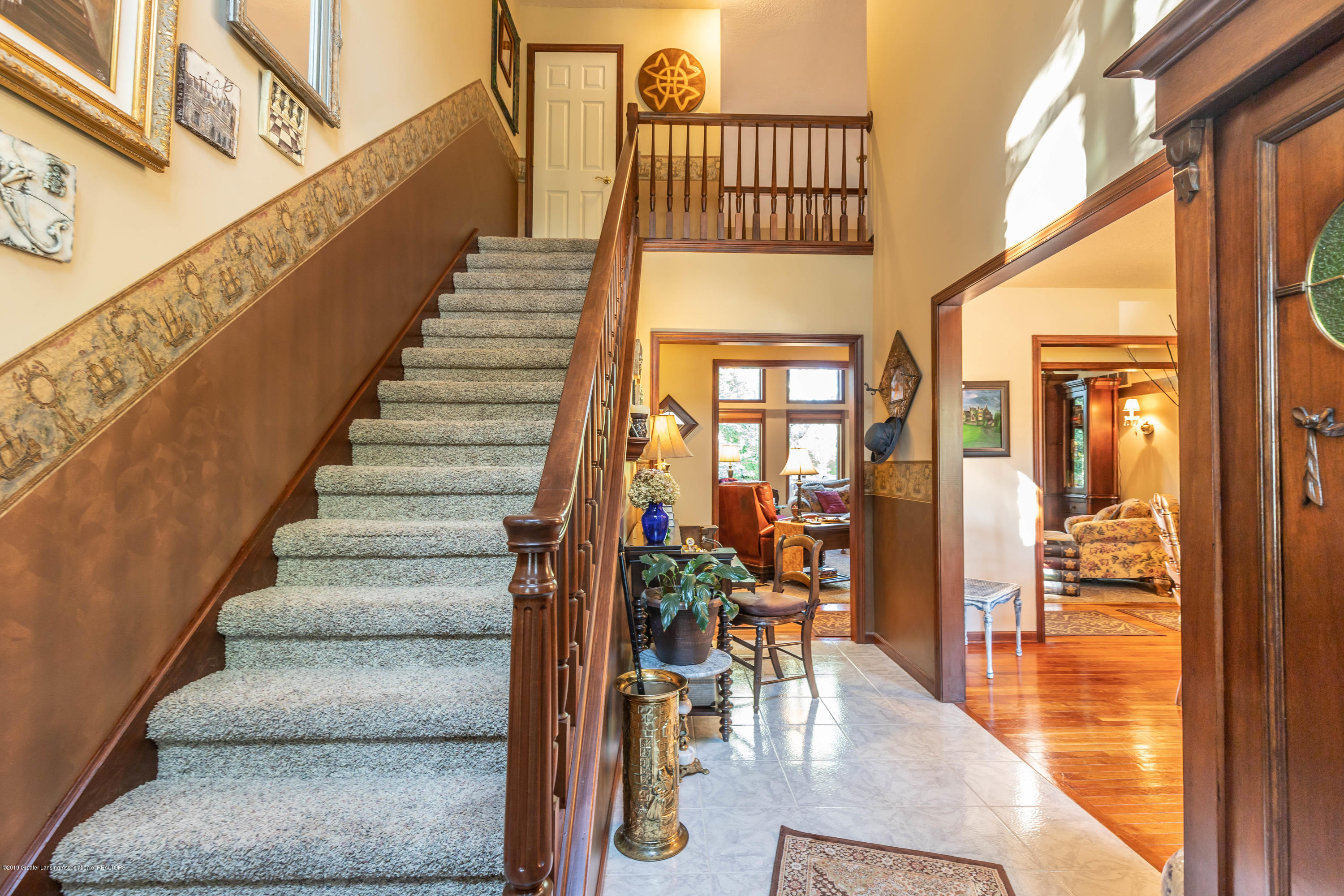 2825 River Pointe Dr - Foyer - 4