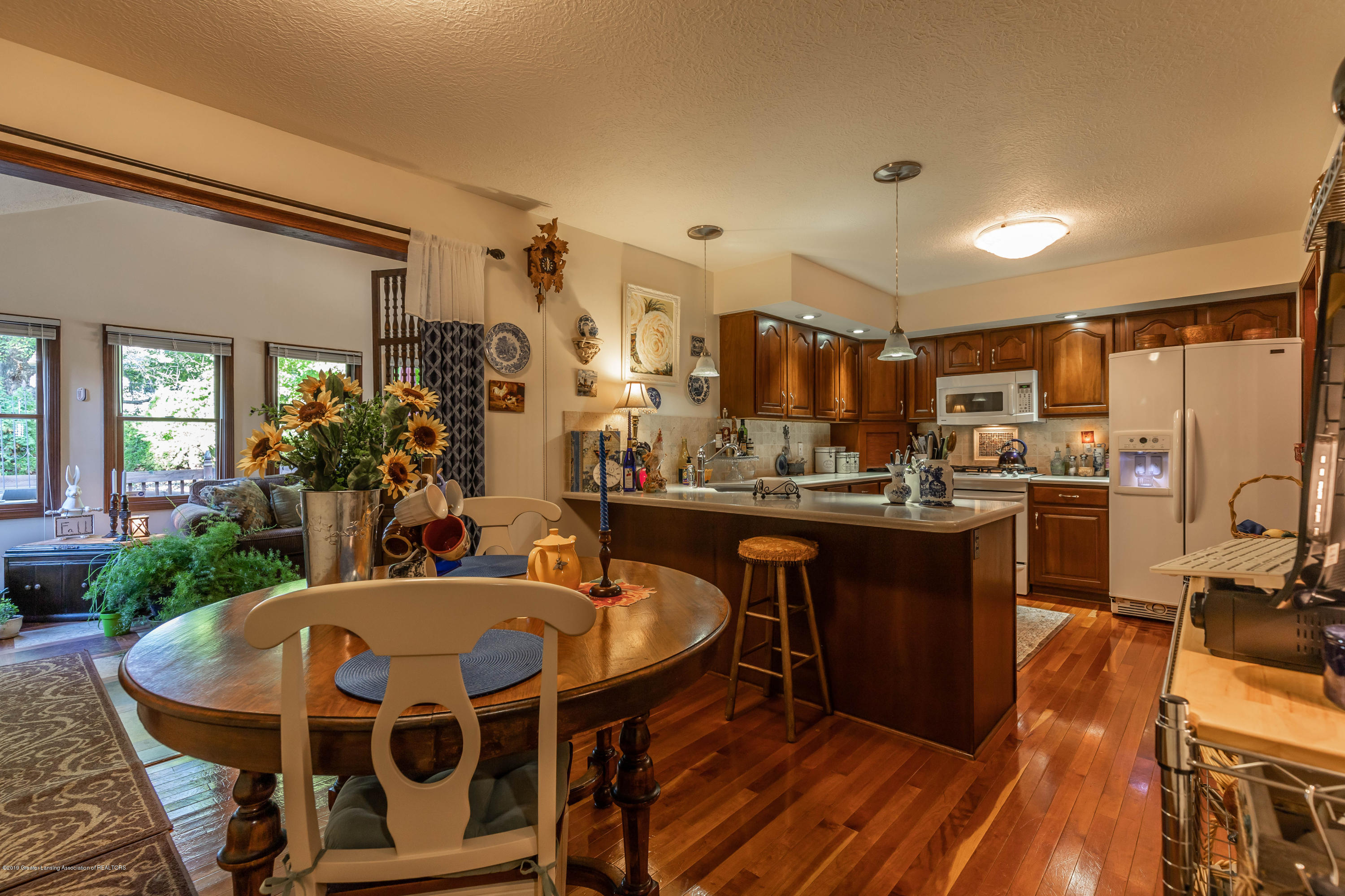 2825 River Pointe Dr - Eat-in Kitchen - 13