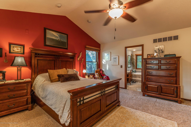 2825 River Pointe Dr - Master Bedroom - 22