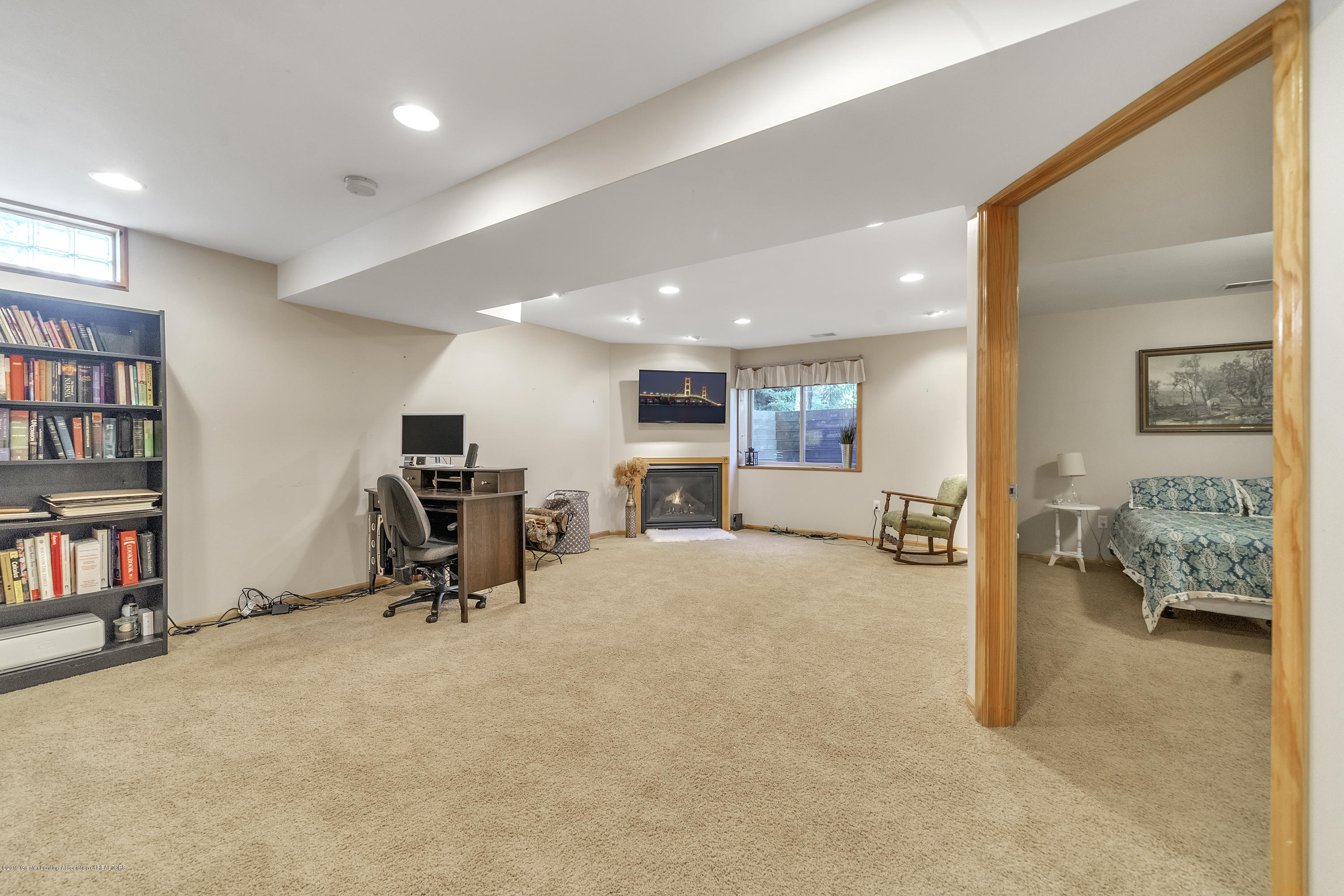 1258 Sumac Ln - 1258-Sumac-WindowStill-Real-Estate-Photo - 23