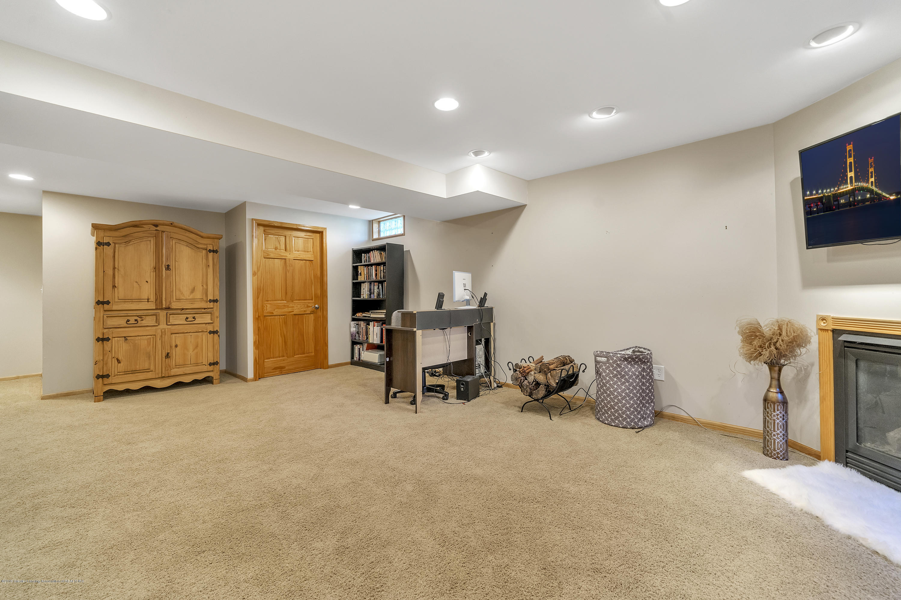 1258 Sumac Ln - 1258-Sumac-WindowStill-Real-Estate-Photo - 24