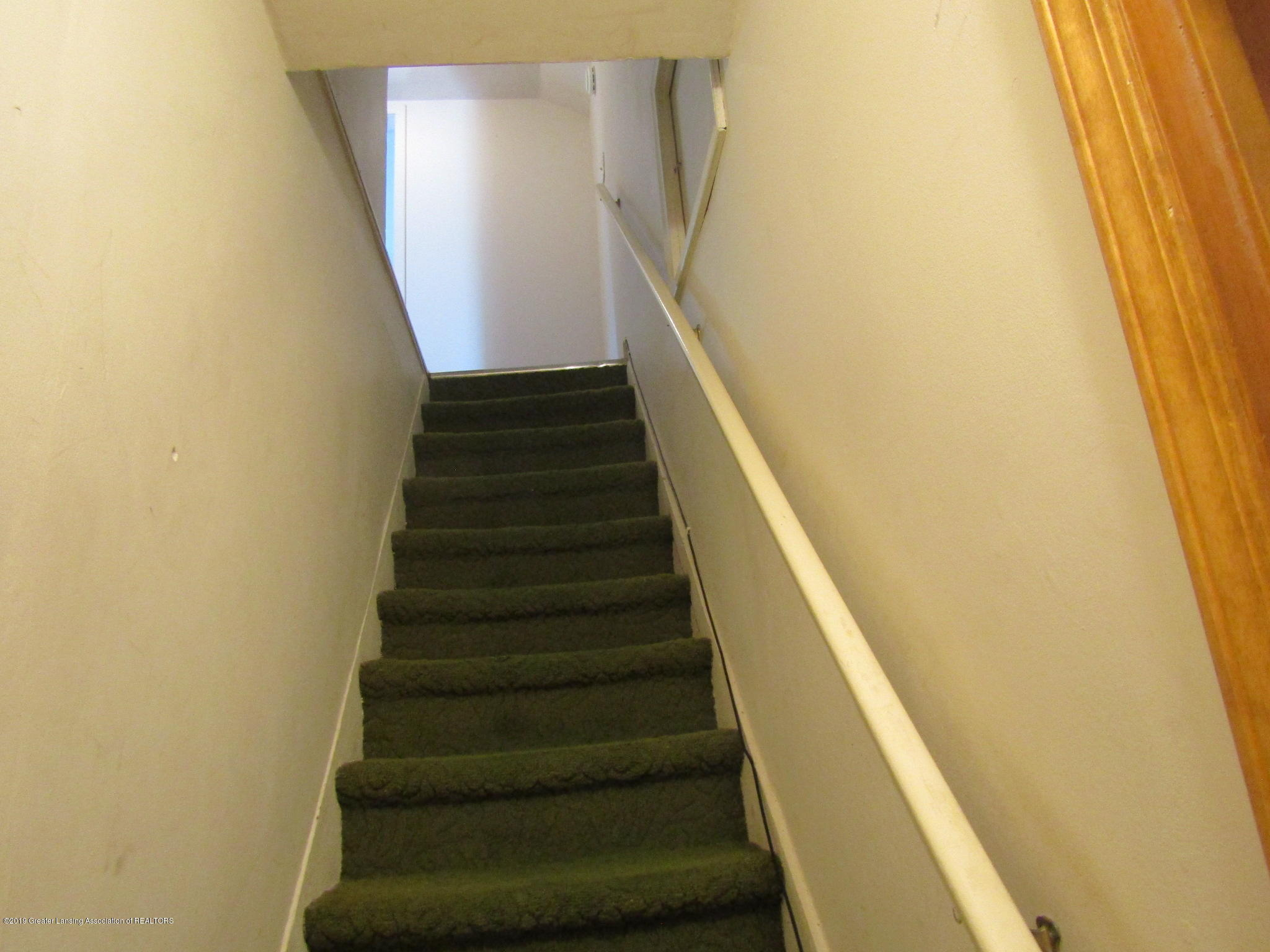 721 Pleasant St - Stairs - 49