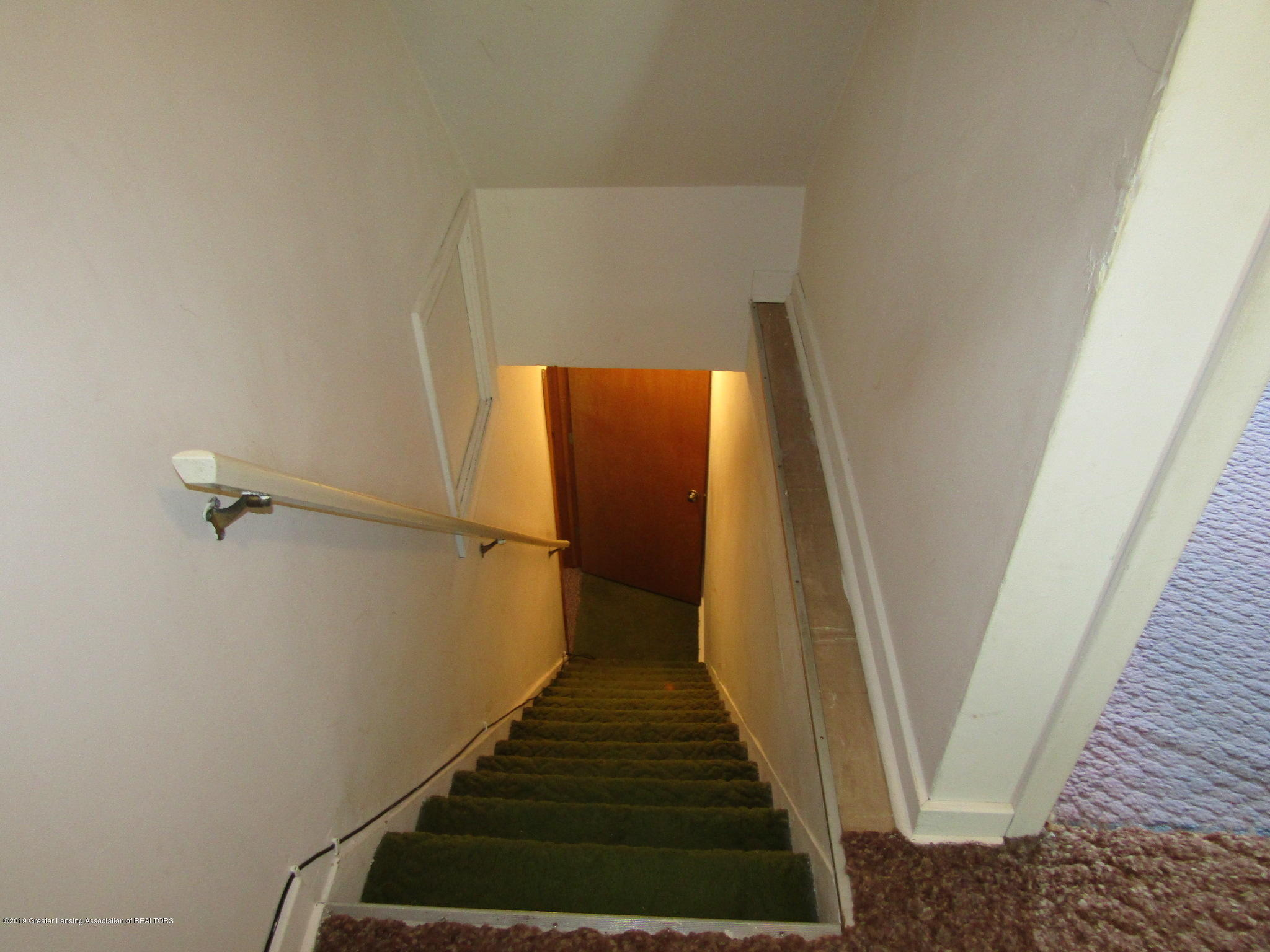721 Pleasant St - Stairs - 64