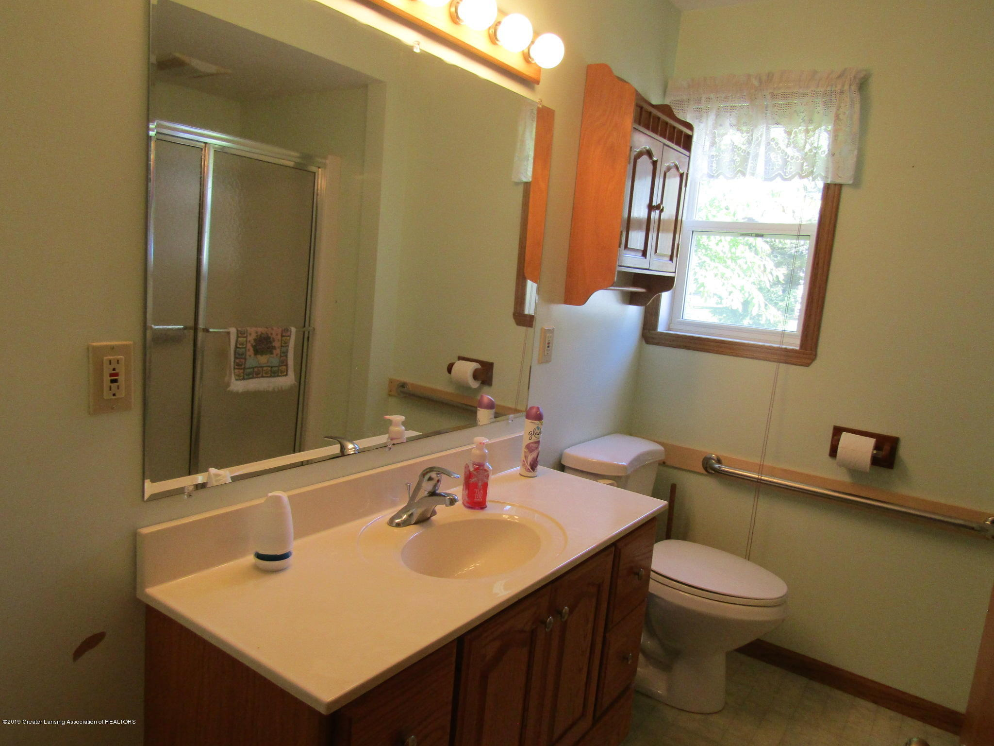 721 Pleasant St - Bathroom - 37