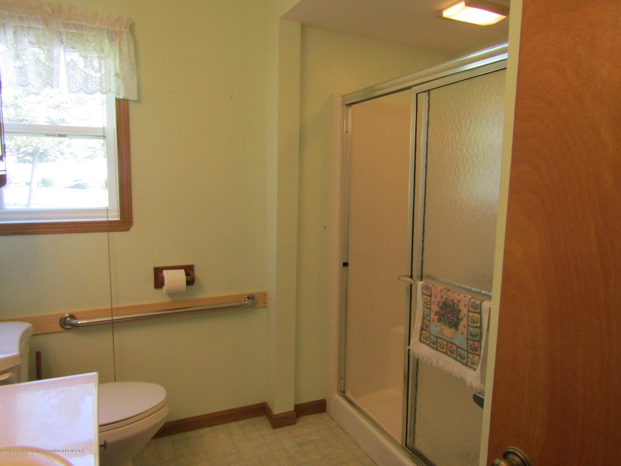 721 Pleasant St - Bathroom - 41