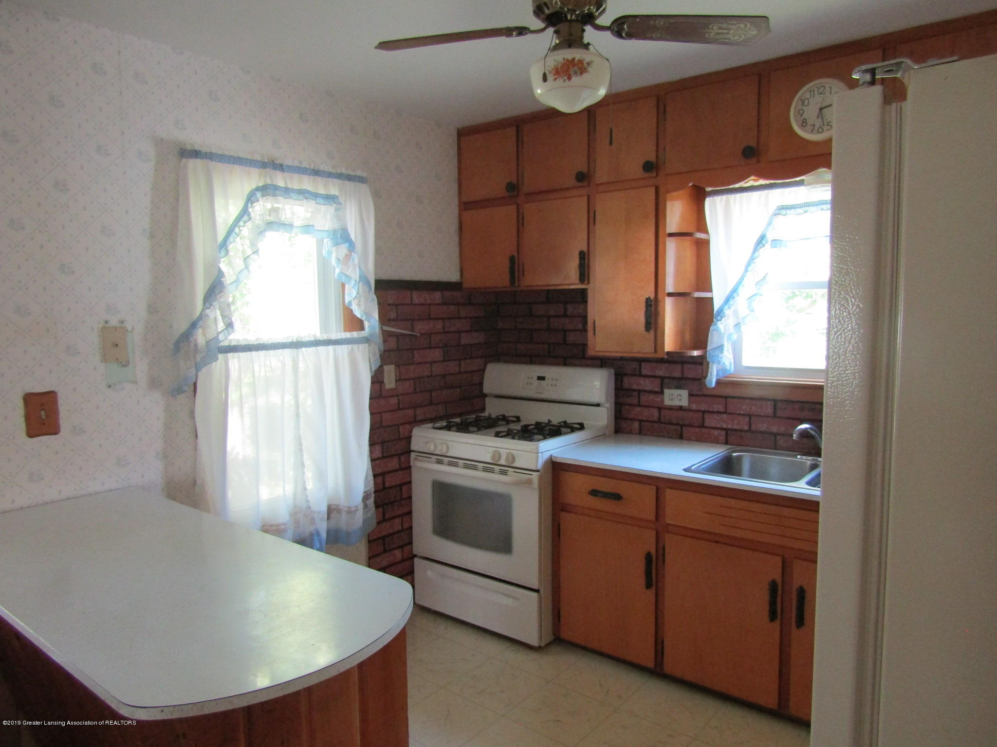721 Pleasant St - Kitchen - 21