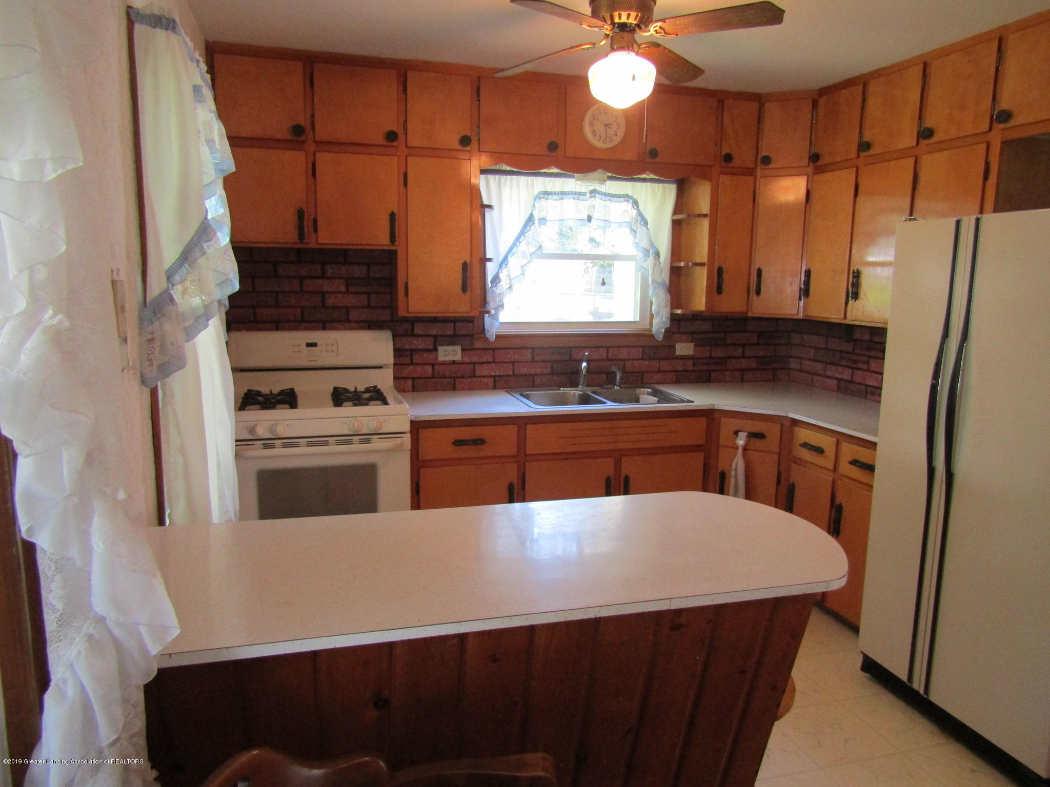 721 Pleasant St - Kitchen - 20