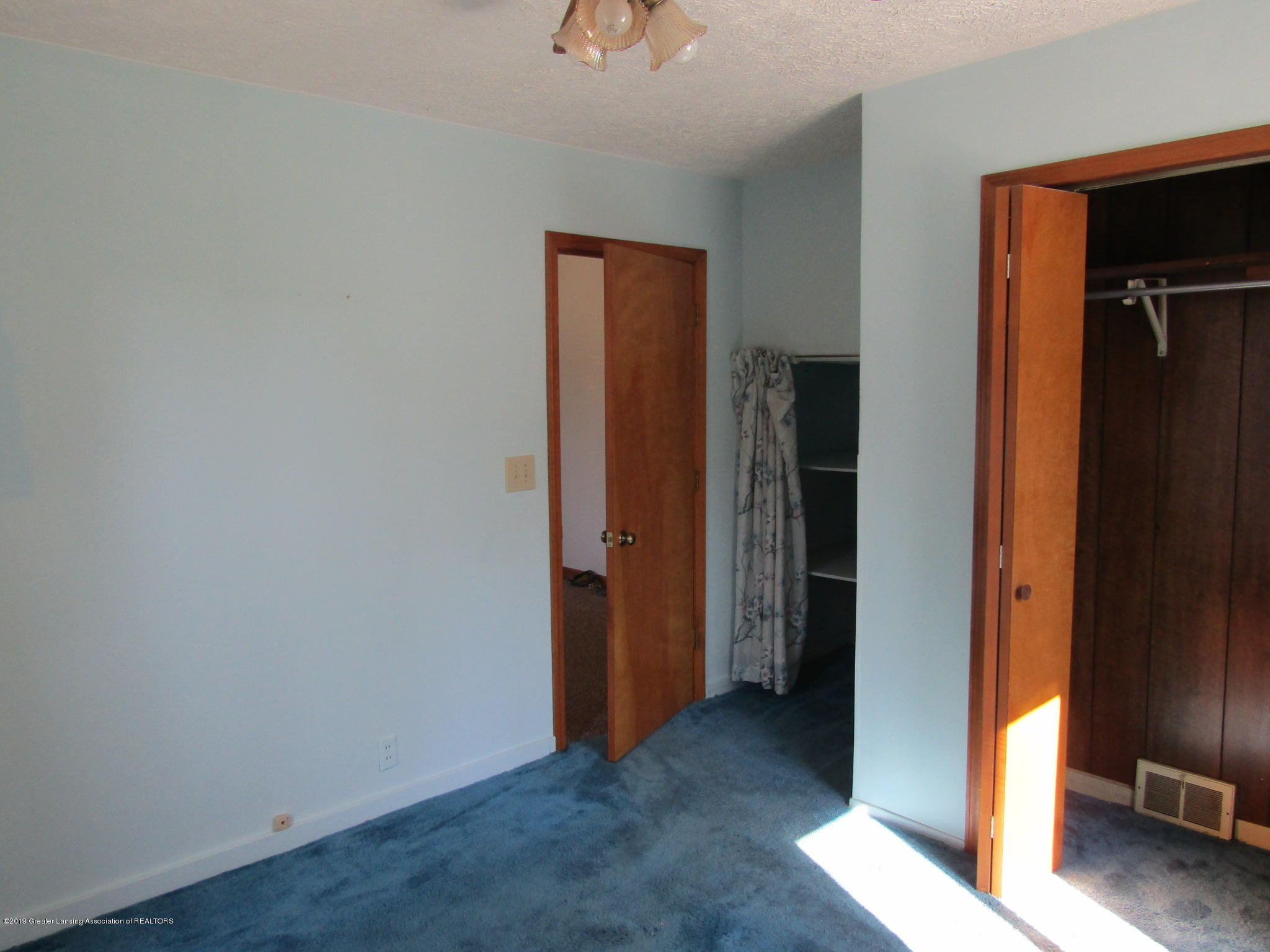 721 Pleasant St - Bedroom - 48