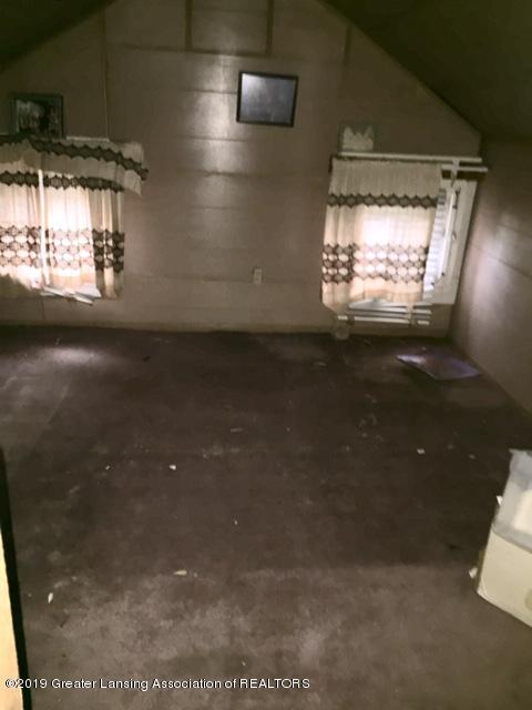 519 West St - 3rd Floor - Attic - 16